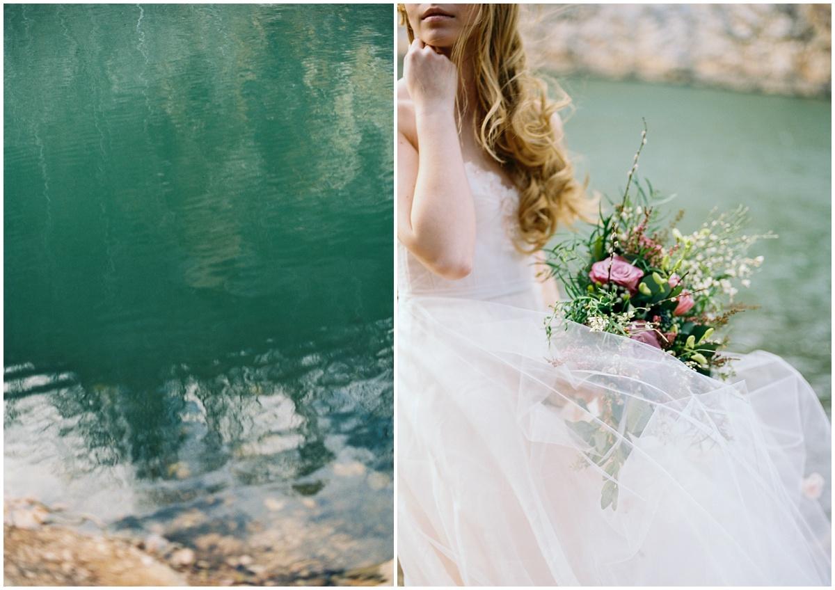 Abigail_Malone_Photography_Film_Photography_Portra_400_Knoxville_Wedding_Blush_Dress_Windy_Bridal_Portrait_36.jpg