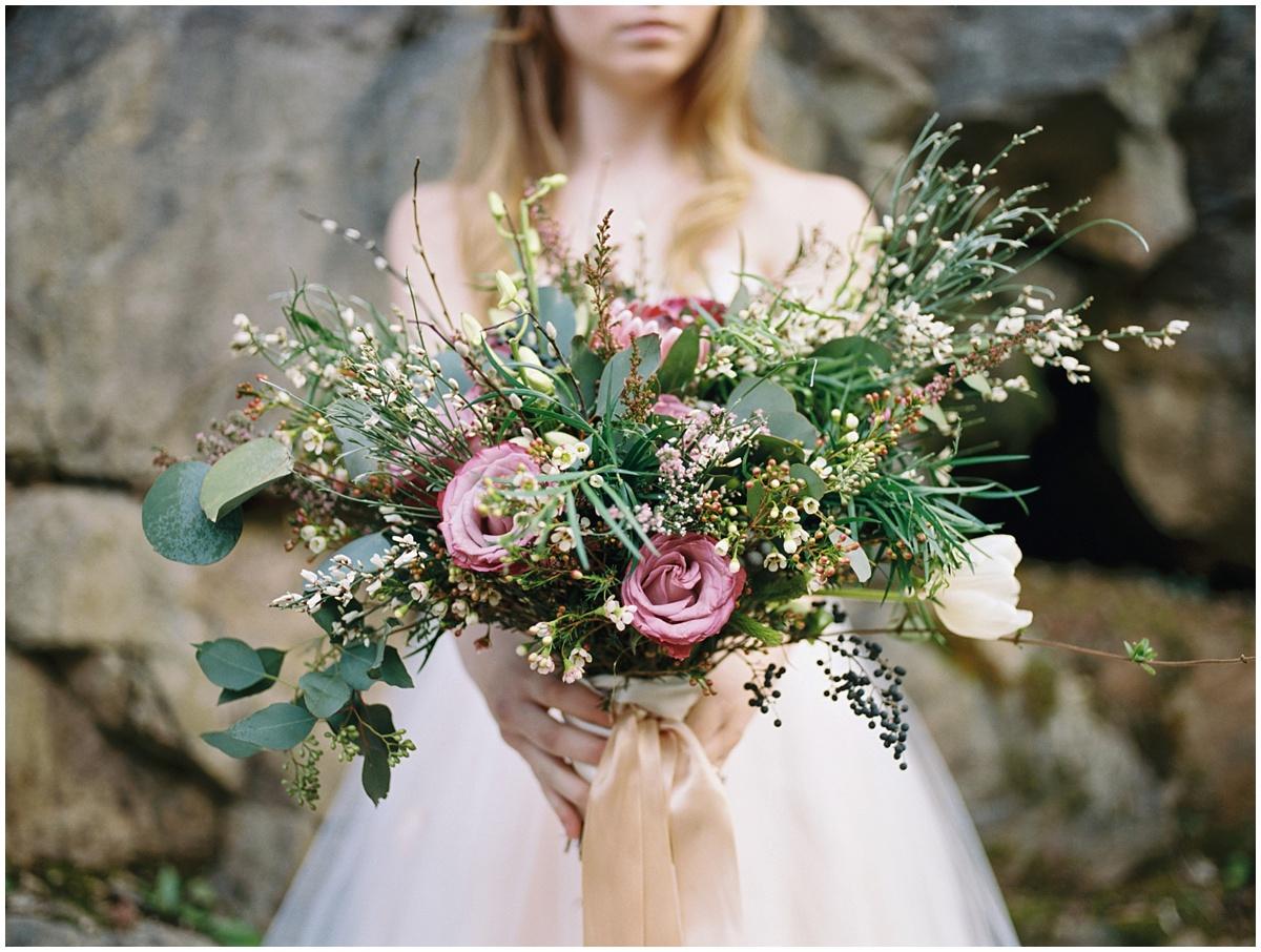 Abigail_Malone_Photography_Film_Photography_Portra_400_Knoxville_Wedding_Blush_Dress_Windy_Bridal_Portrait_38.jpg