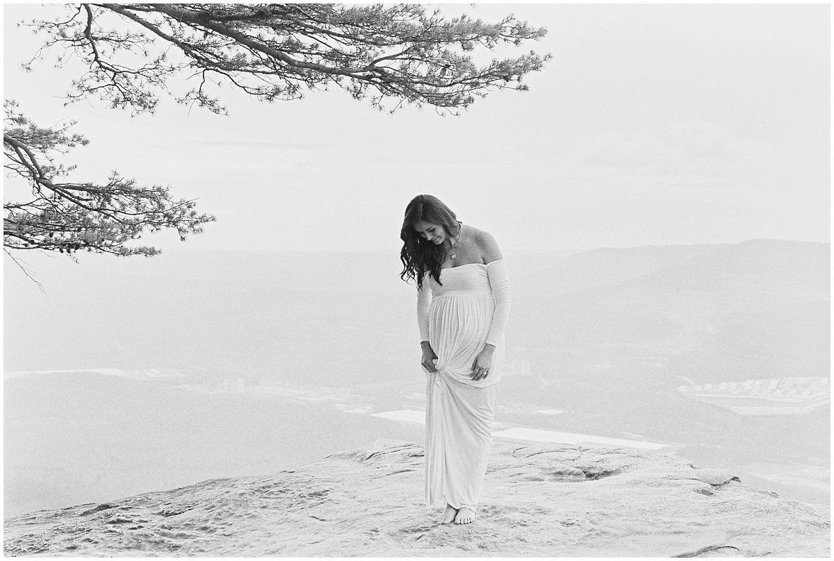Abigail_Malone_Film_Family_Photography_Knoxville_Tennessee_Nashville__Chattanooga_Maternity_Lookout_Mountain_0001.jpg