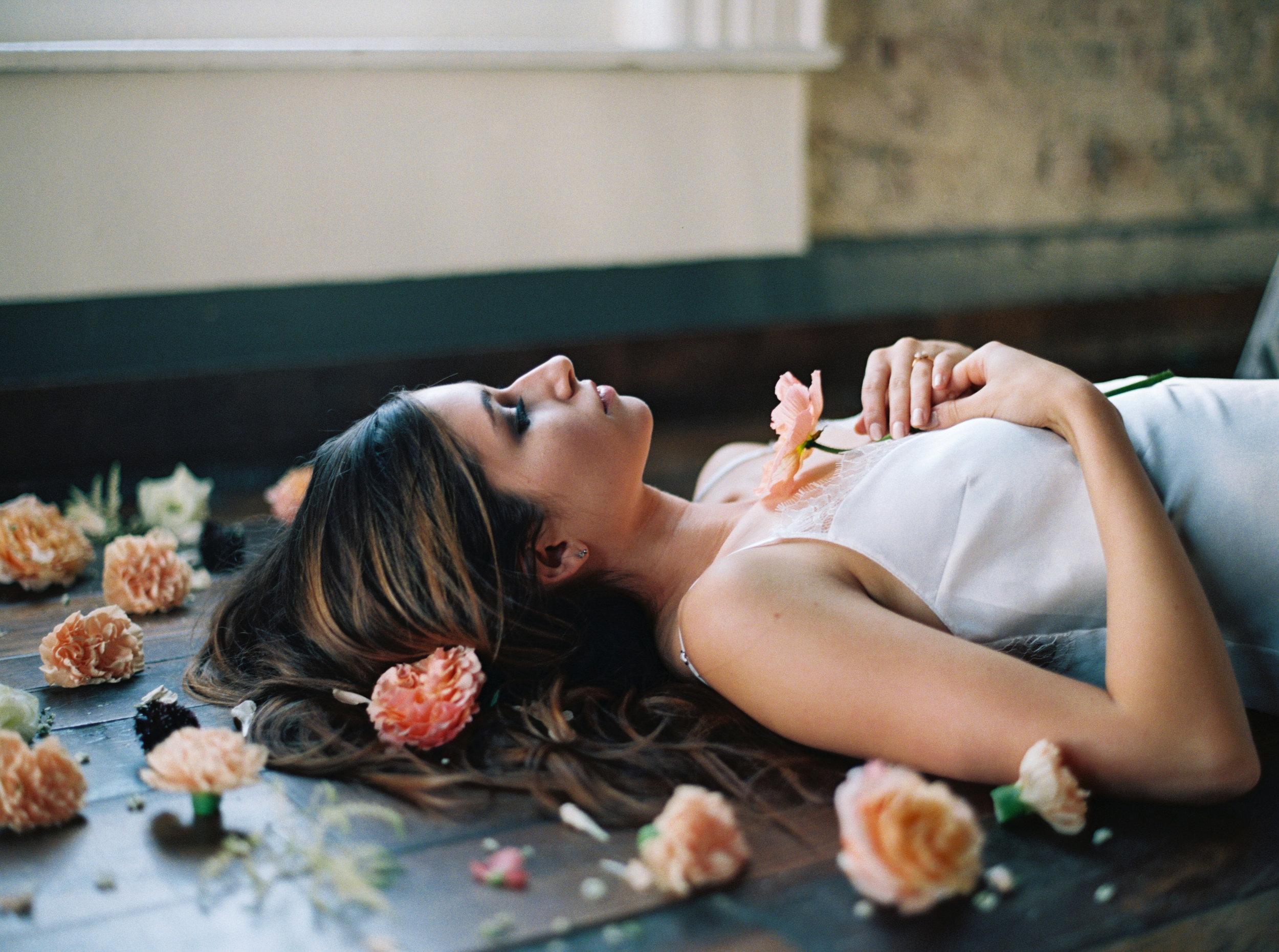 Cordell_Nashville_In_Bloom_Editorial_Boudoir_Abigail_Malone_Photography-171.jpg