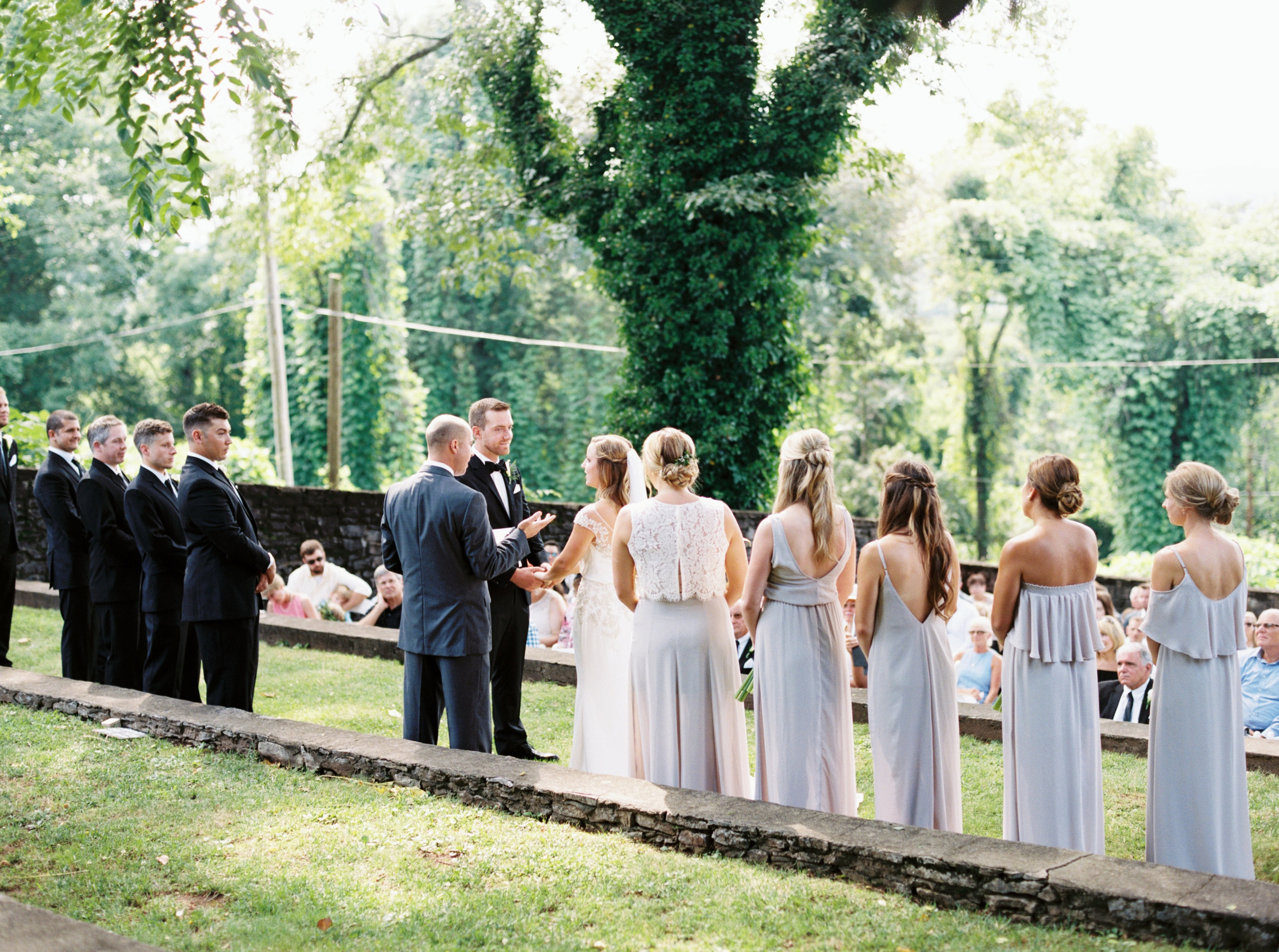 Katie_Matt_Wedding_Knoxville_Botanical_Garden_Abigail_Malone_photography-254.jpg