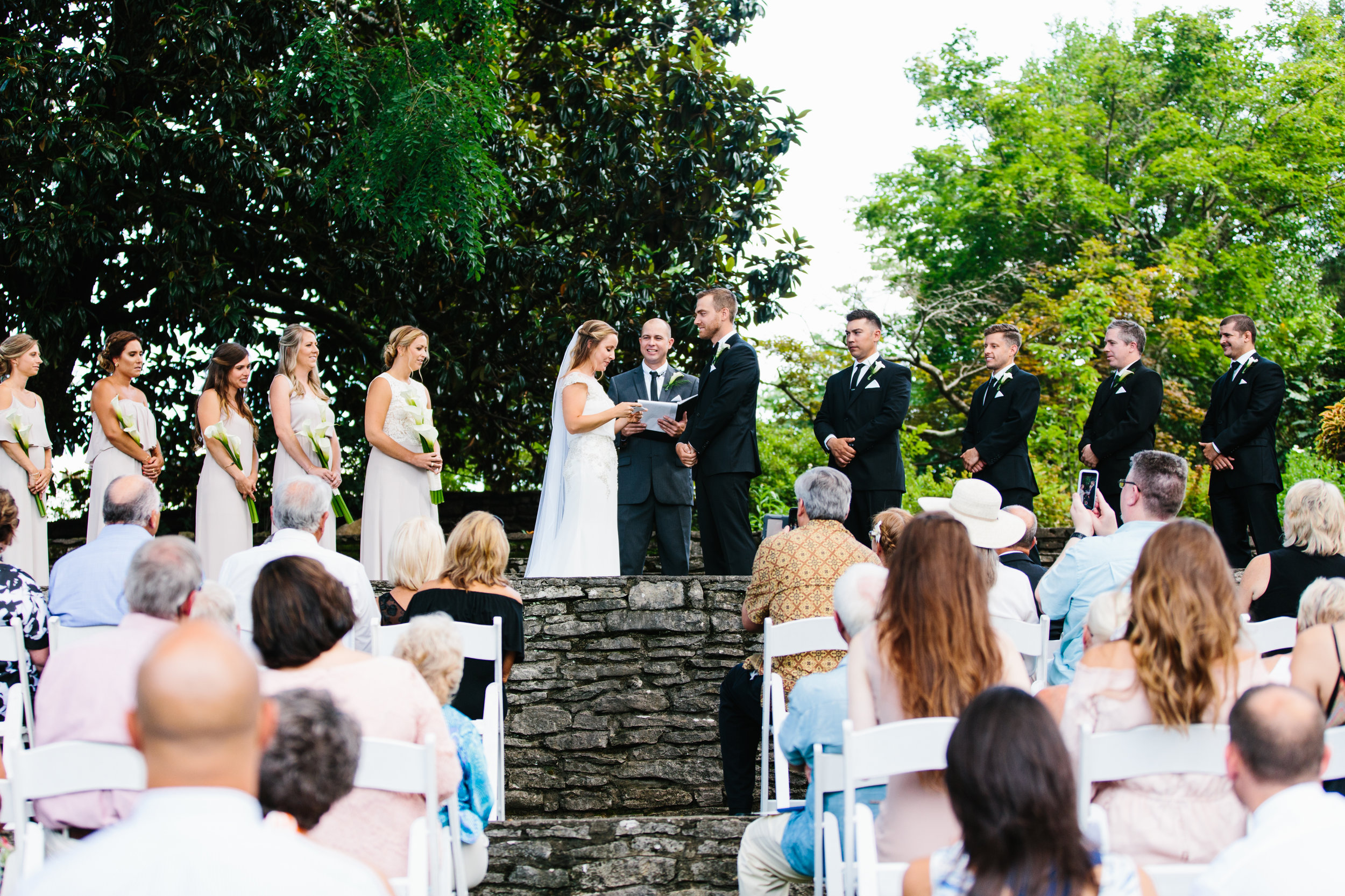Katie_Matt_Wedding_Knoxville_Botanical_Garden_Abigail_Malone_photography-258.jpg