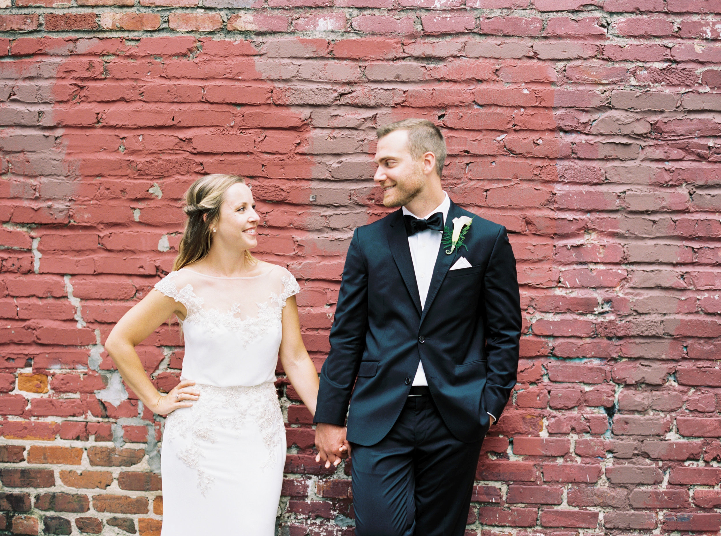 Katie_Matt_Wedding_Knoxville_Botanical_Garden_Abigail_Malone_photography-378.jpg