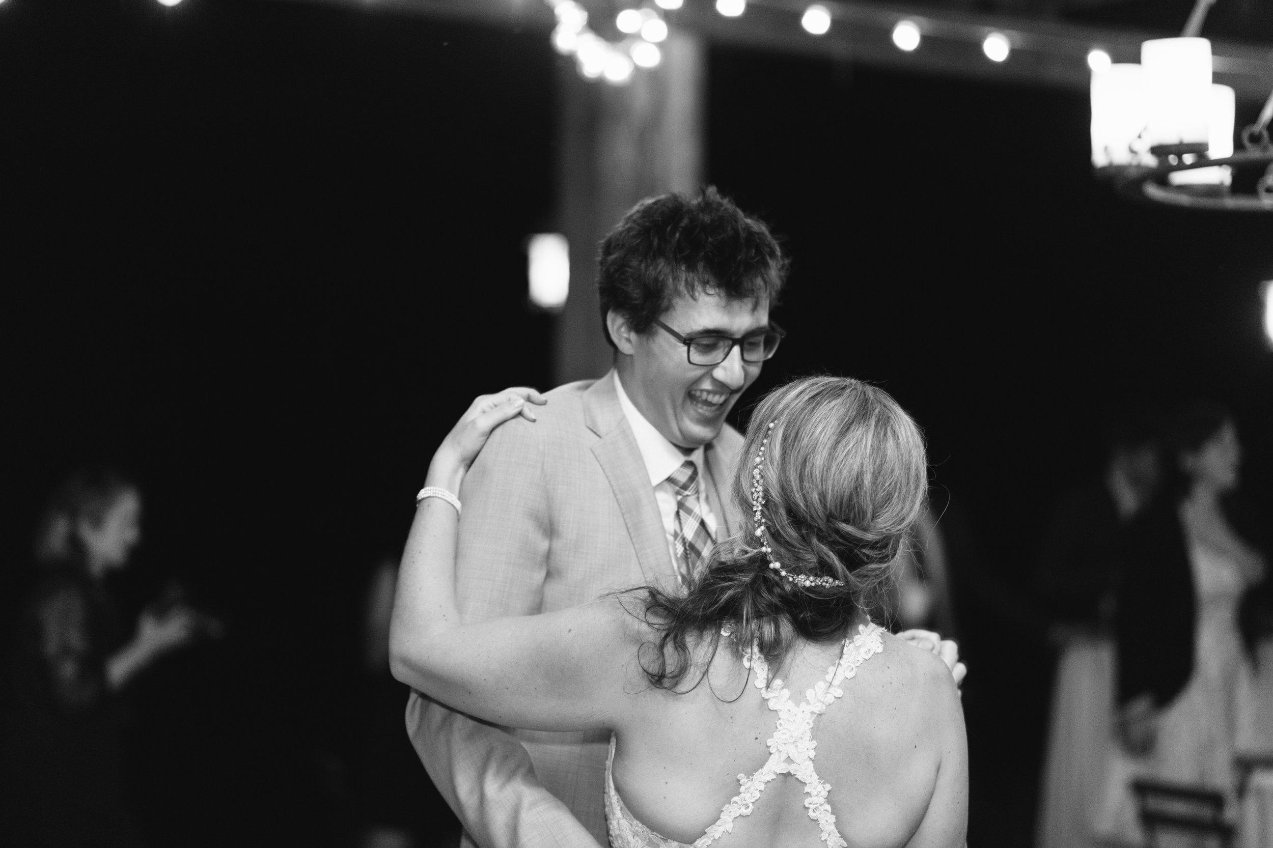 Abby_Simon_Wedding_Abigail_Malone_Photography_nashville_Bloomsbury_Farm-603.jpg
