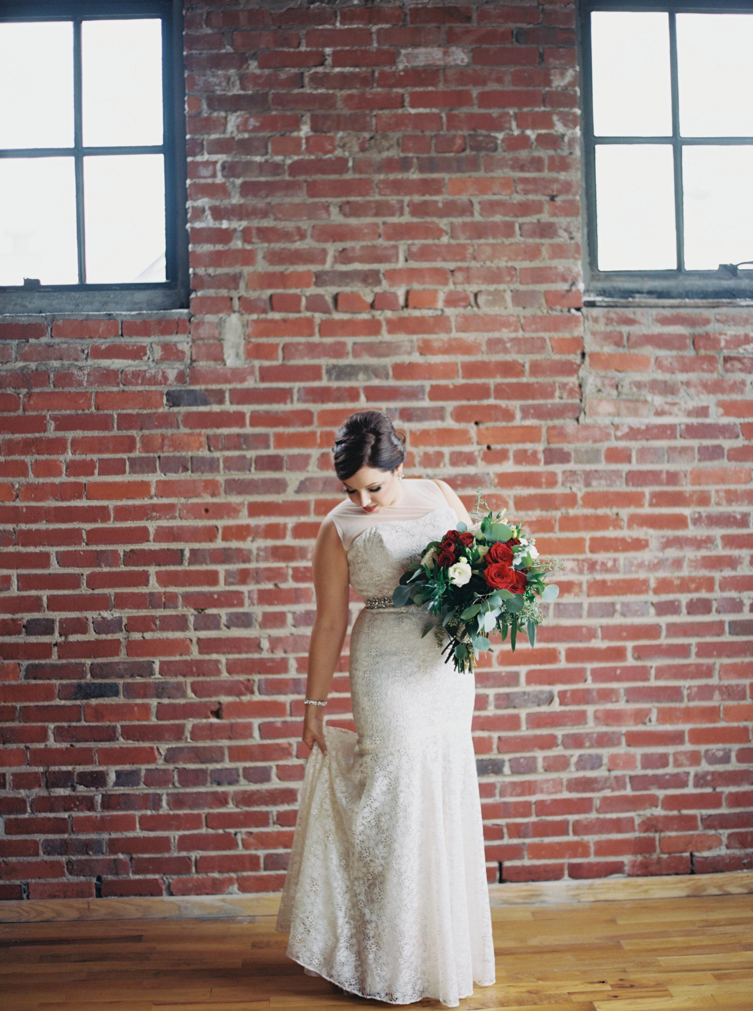 Jessica_Bryan_Wedding_Standard_Knoxville_Abigail_Malone_Photography-161.jpg