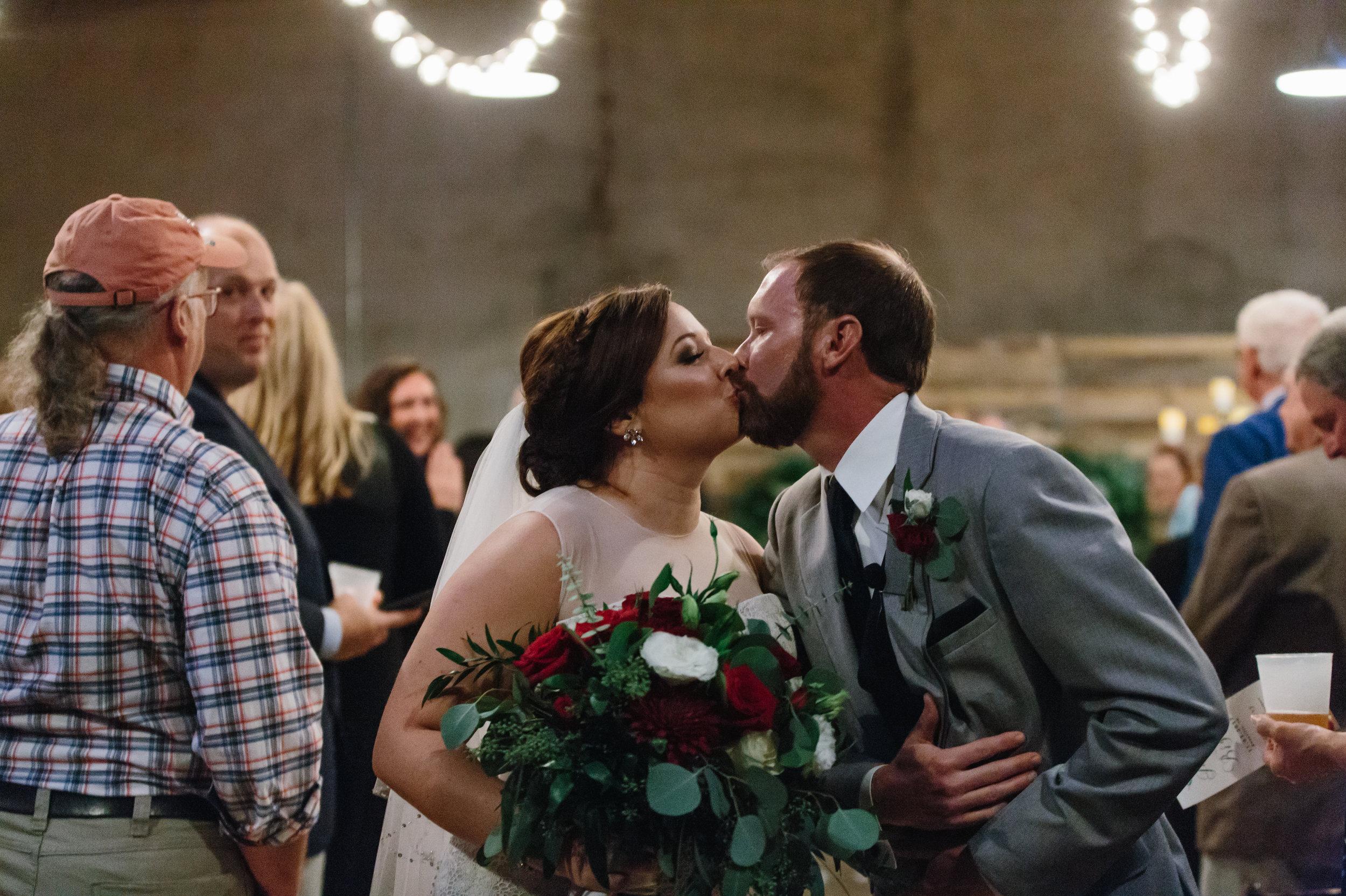 Jessica_Bryan_Wedding_Standard_Knoxville_Abigail_Malone_Photography-582.jpg