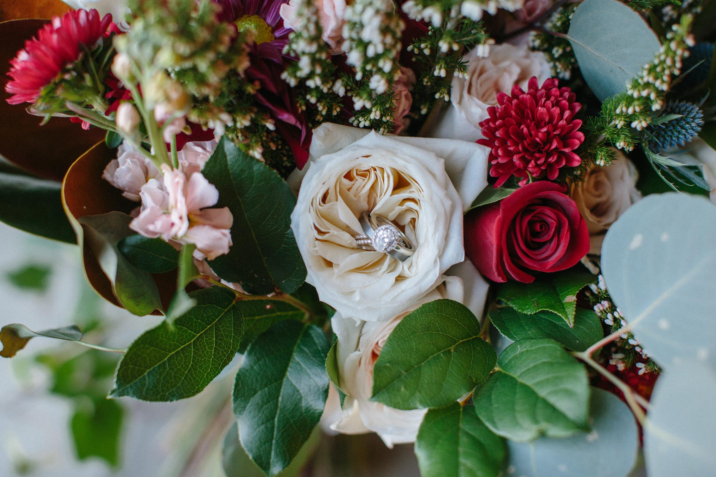 Lauren_Jeremy_Standard_Wedding_Knoxville_Abigail_Malone_Photography_FIlm-35.jpg