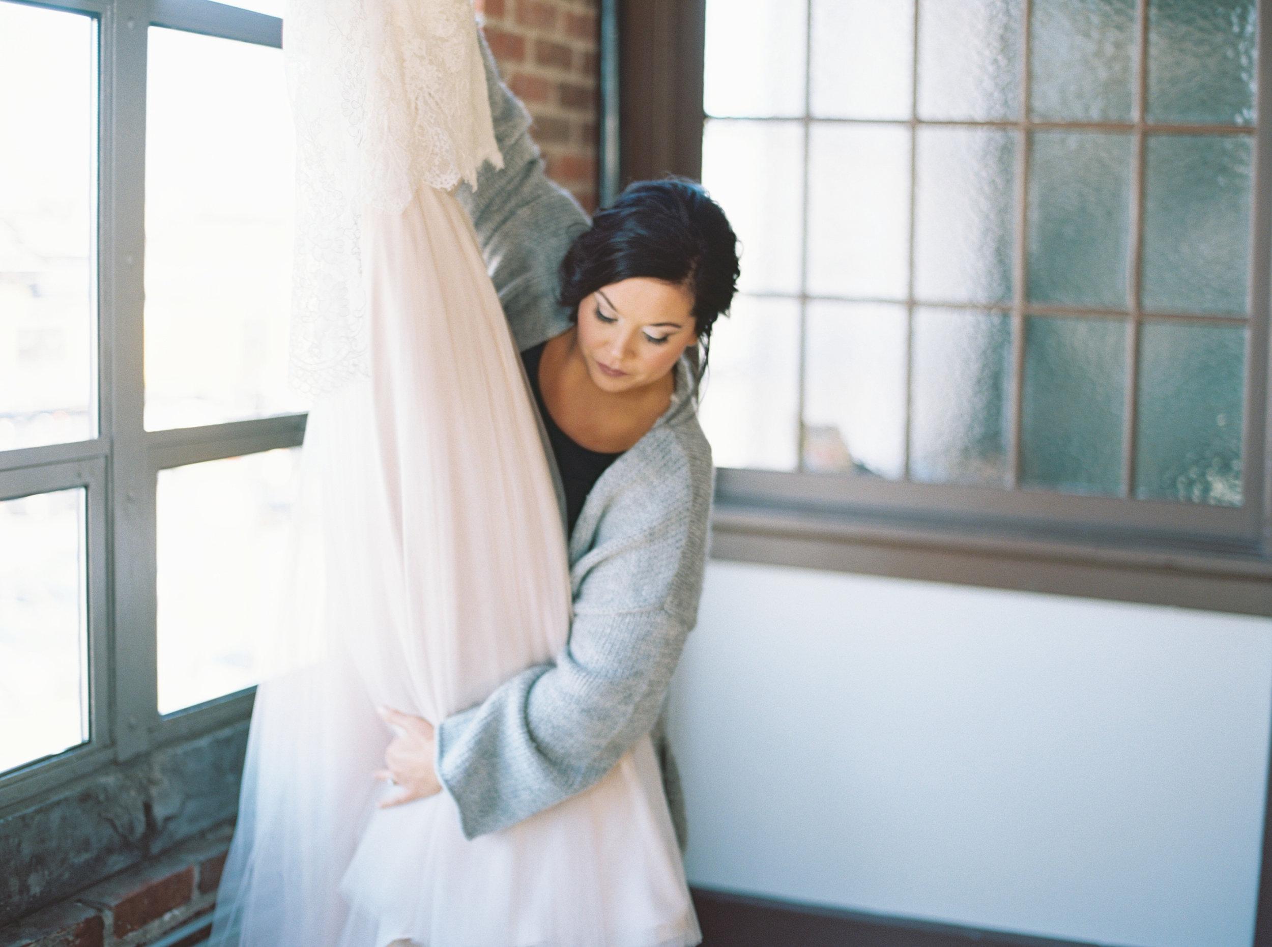 Lauren_Jeremy_Standard_Wedding_Knoxville_Abigail_Malone_Photography_FIlm-66.jpg
