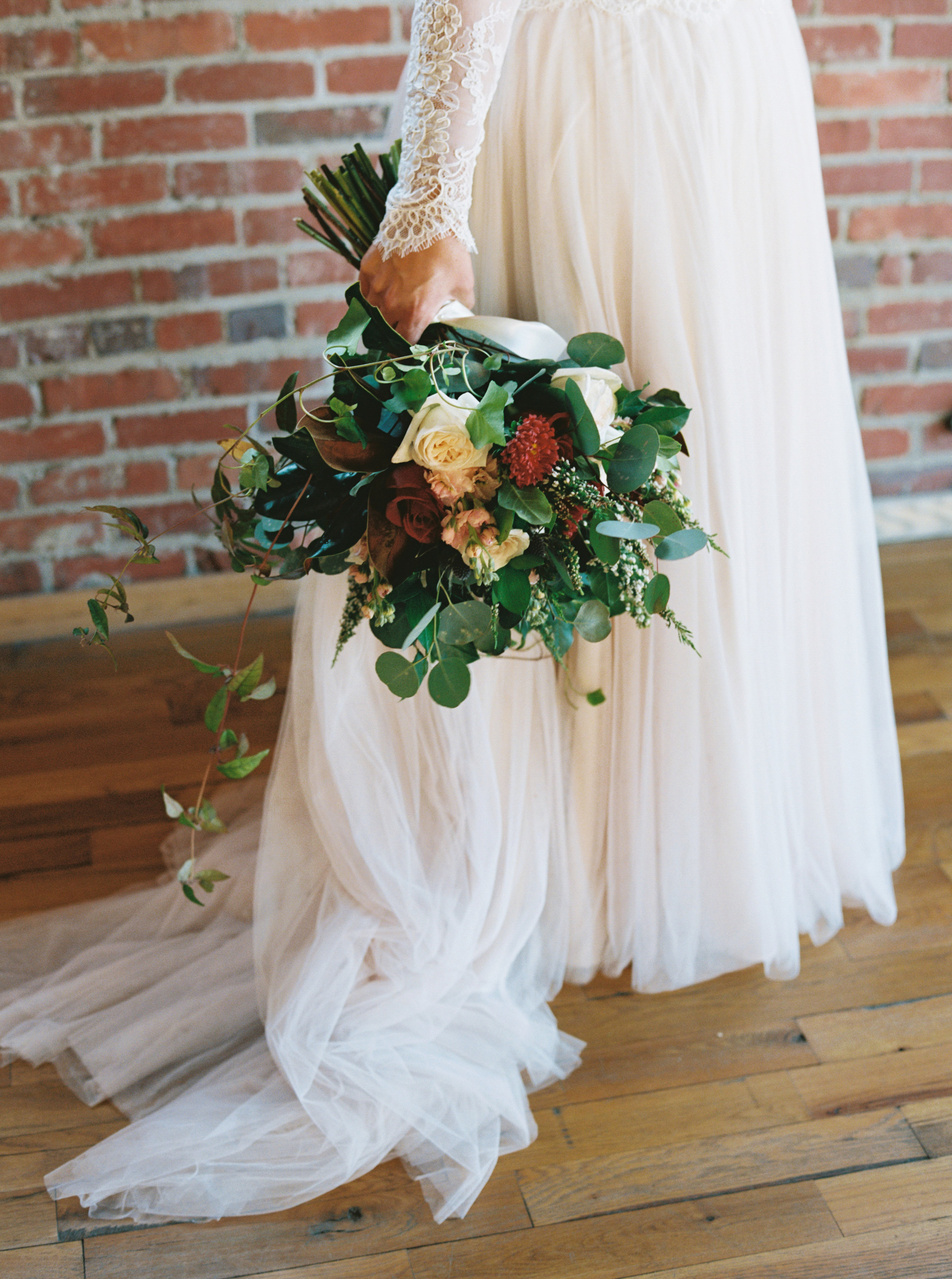 Lauren_Jeremy_Standard_Wedding_Knoxville_Abigail_Malone_Photography_FIlm-120.jpg
