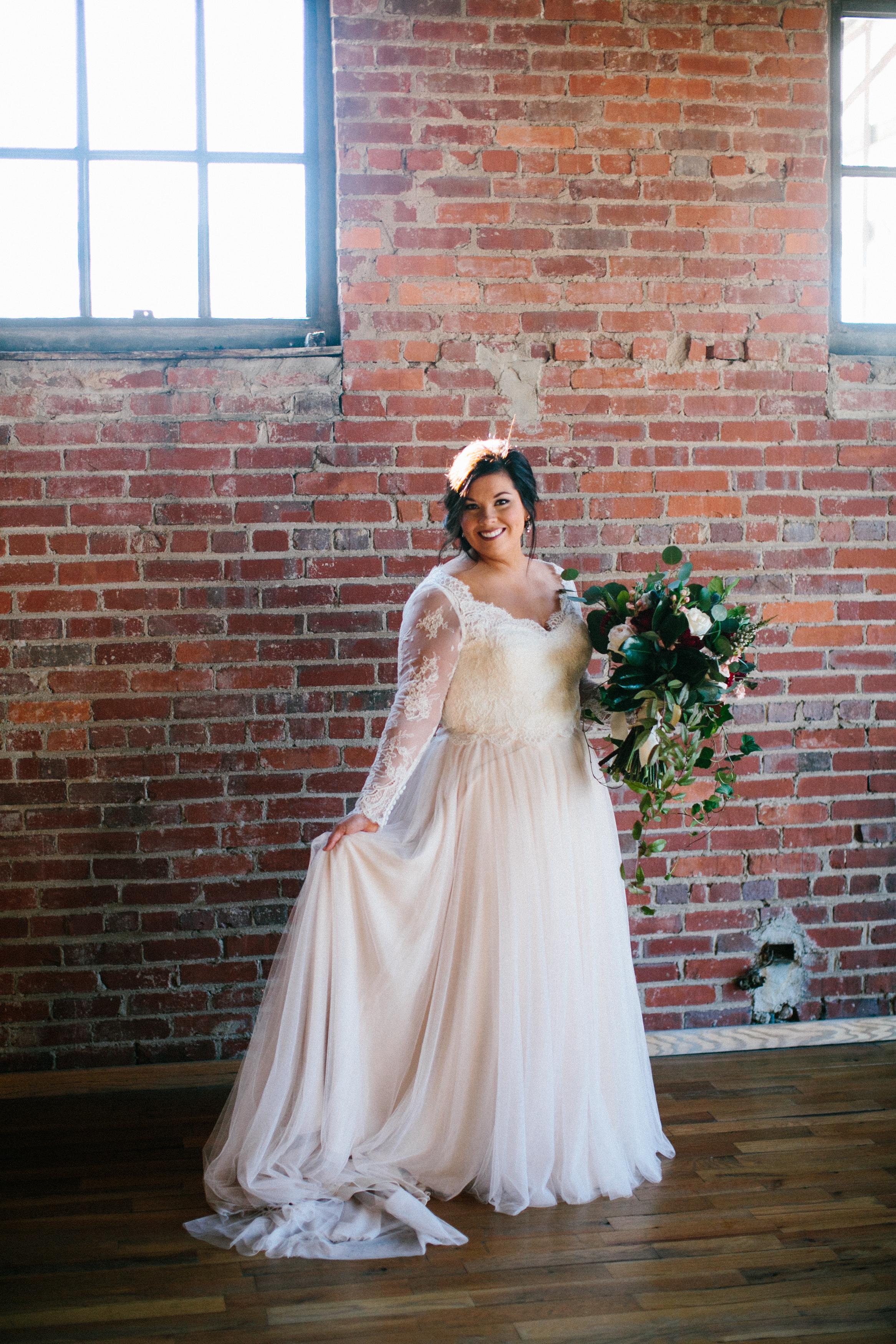 Lauren_Jeremy_Standard_Wedding_Knoxville_Abigail_Malone_Photography_FIlm-132.jpg