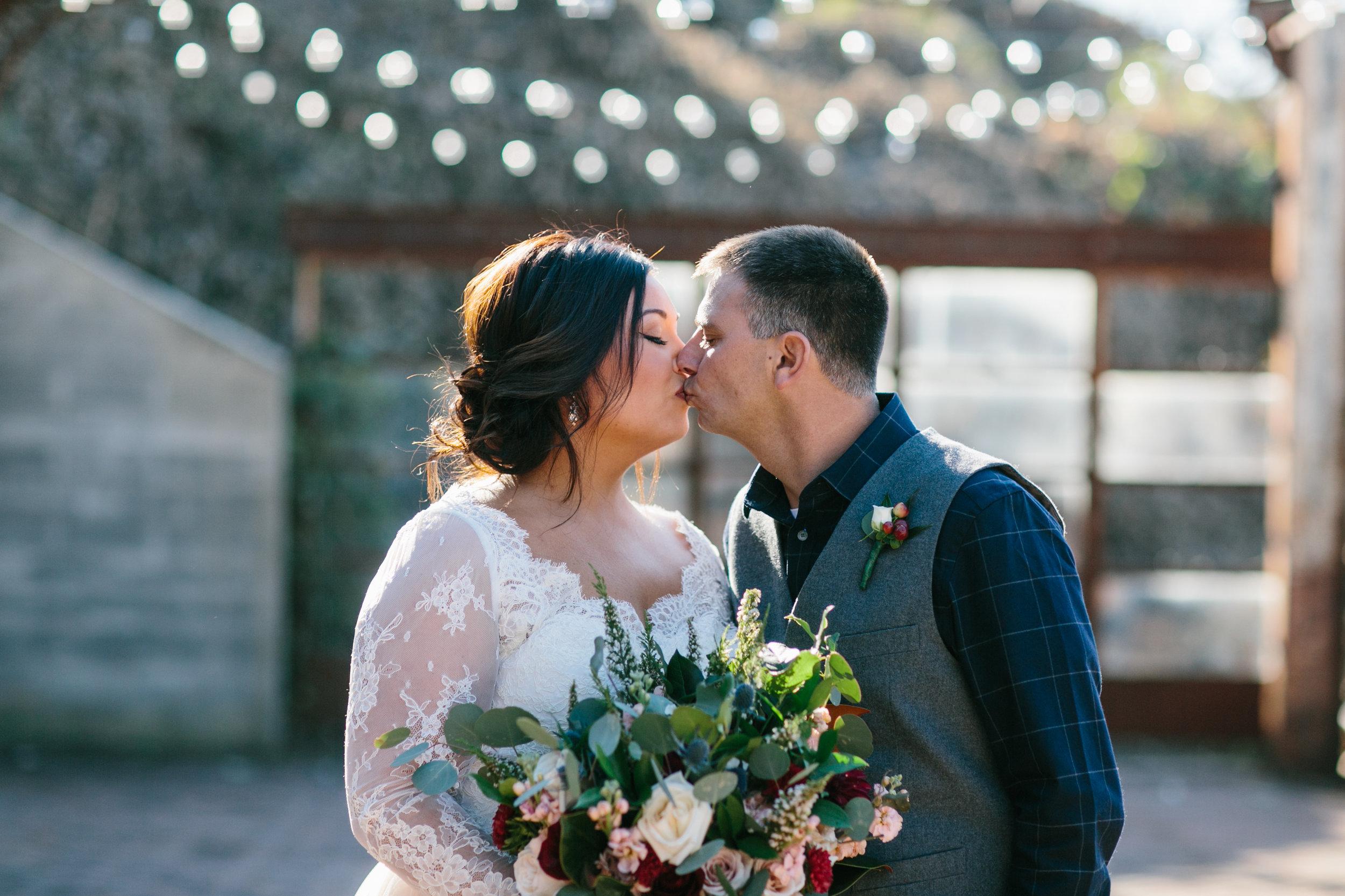 Lauren_Jeremy_Standard_Wedding_Knoxville_Abigail_Malone_Photography_FIlm-191.jpg