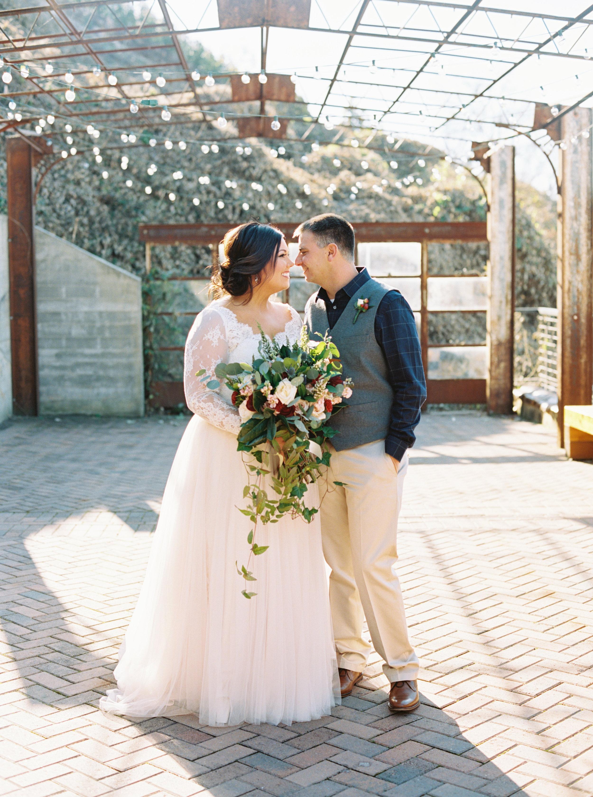 Lauren_Jeremy_Standard_Wedding_Knoxville_Abigail_Malone_Photography_FIlm-182.jpg