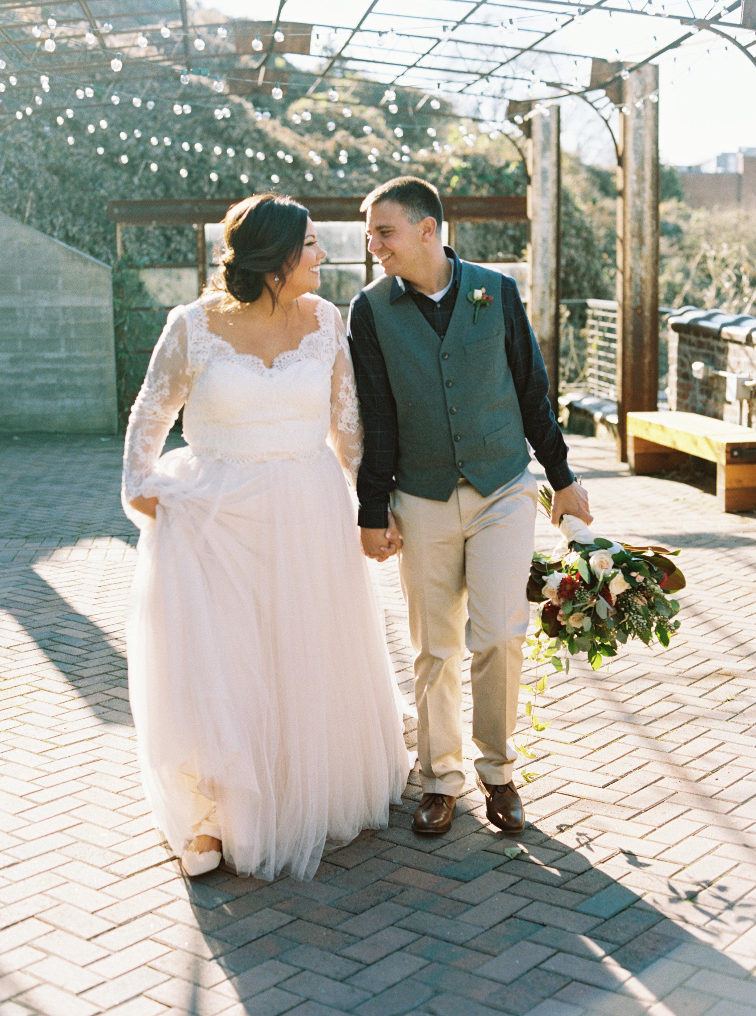 Lauren_Jeremy_Standard_Wedding_Knoxville_Abigail_Malone_Photography_FIlm-187.jpg
