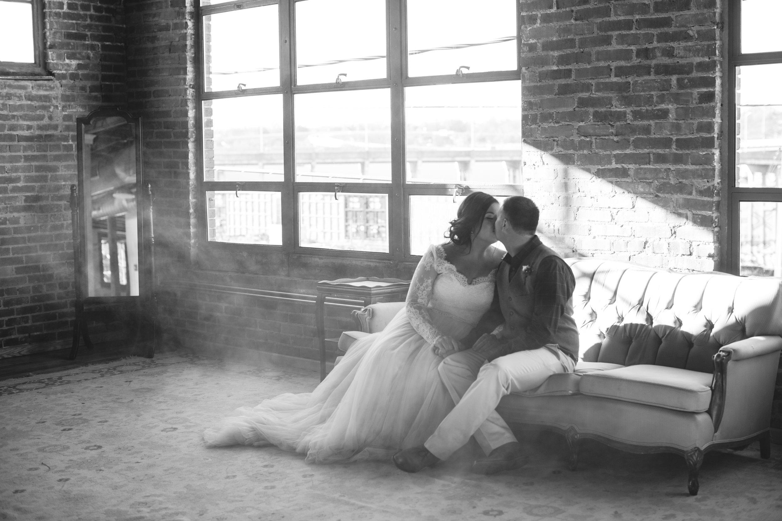 Lauren_Jeremy_Standard_Wedding_Knoxville_Abigail_Malone_Photography_FIlm-259.jpg