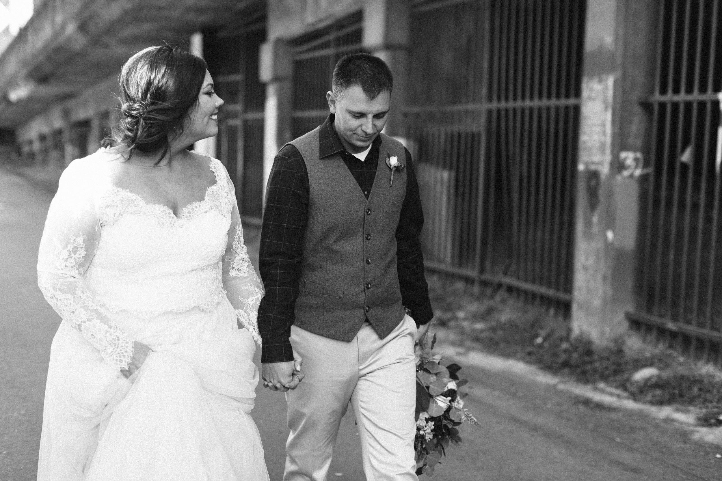 Lauren_Jeremy_Standard_Wedding_Knoxville_Abigail_Malone_Photography_FIlm-301.jpg