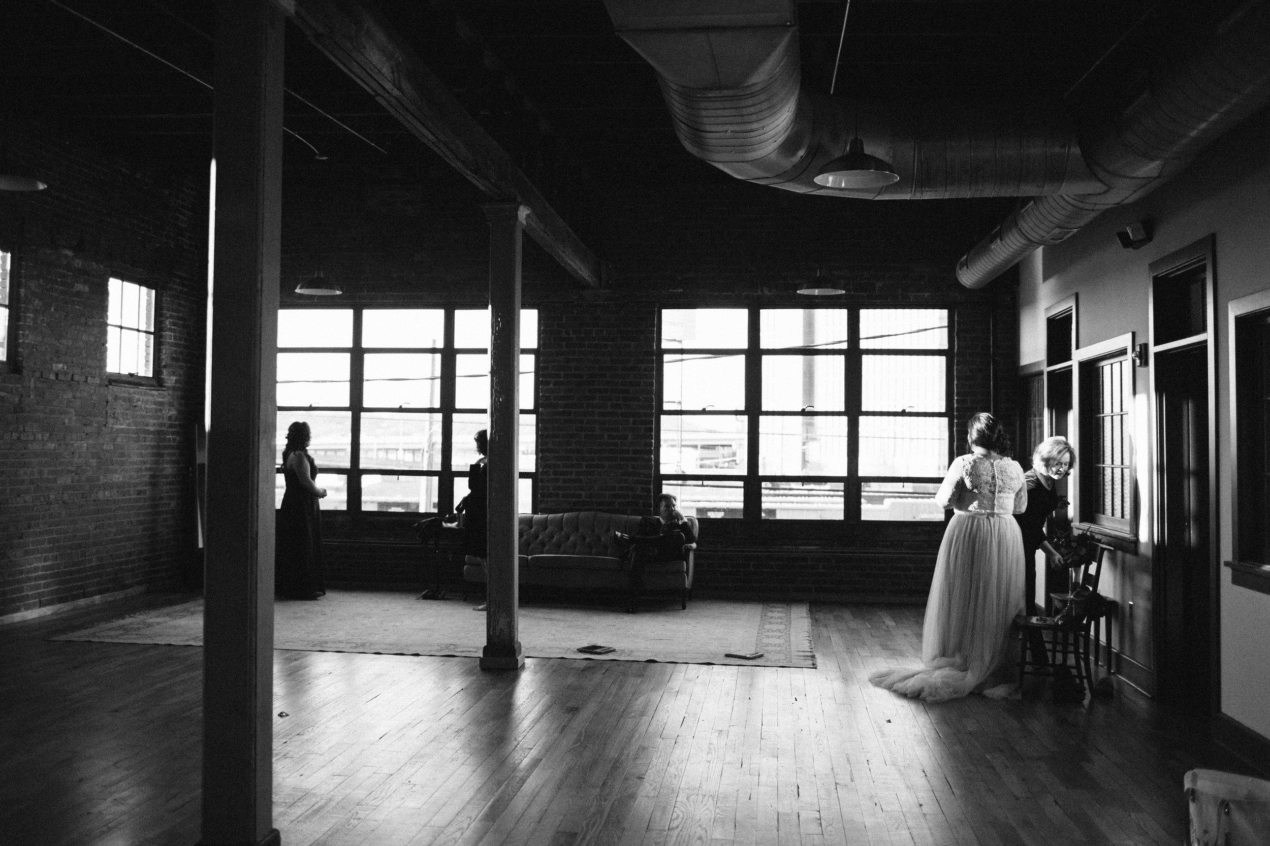 Lauren_Jeremy_Standard_Wedding_Knoxville_Abigail_Malone_Photography_FIlm-440.jpg