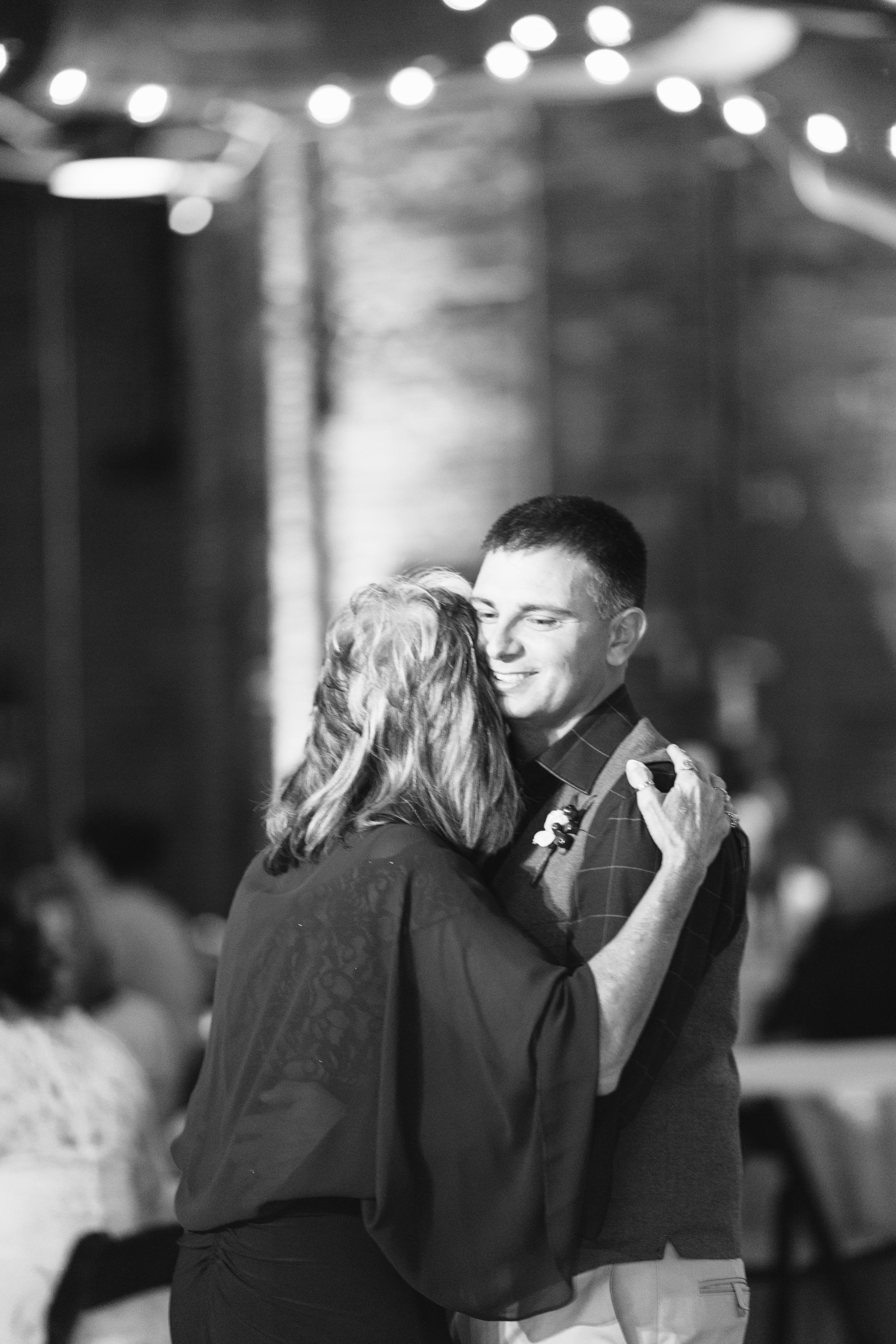 Lauren_Jeremy_Standard_Wedding_Knoxville_Abigail_Malone_Photography_FIlm-551-2.jpg