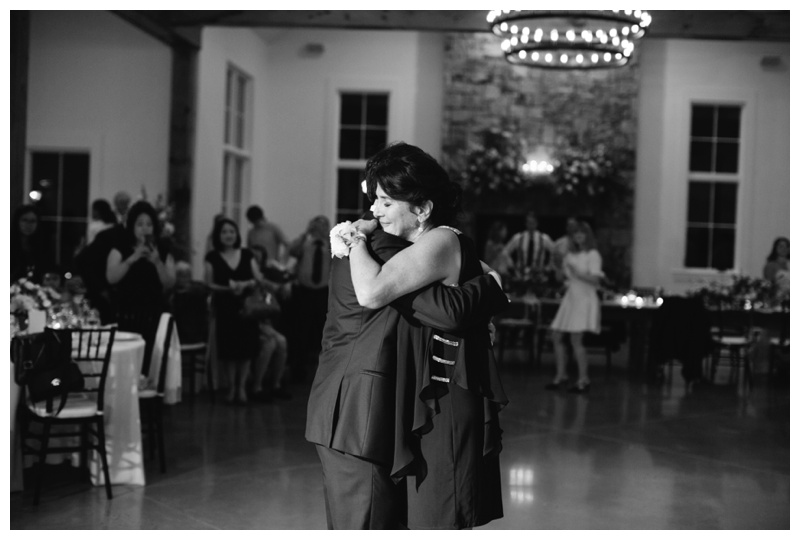 Fionnie_Jacob_Marblegate_Farm_Wedding_Knoxville_Abigail_Malone_Photography-1020.jpg