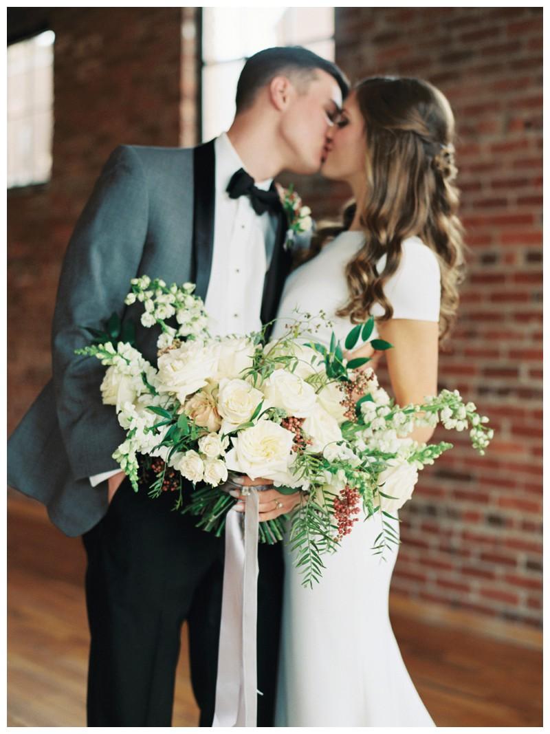 The_Standard_Wedding_Winter_Elegant_Blush_Knoxville_Tennessee_Film_Abigail_Malone_Photography_0089.jpg