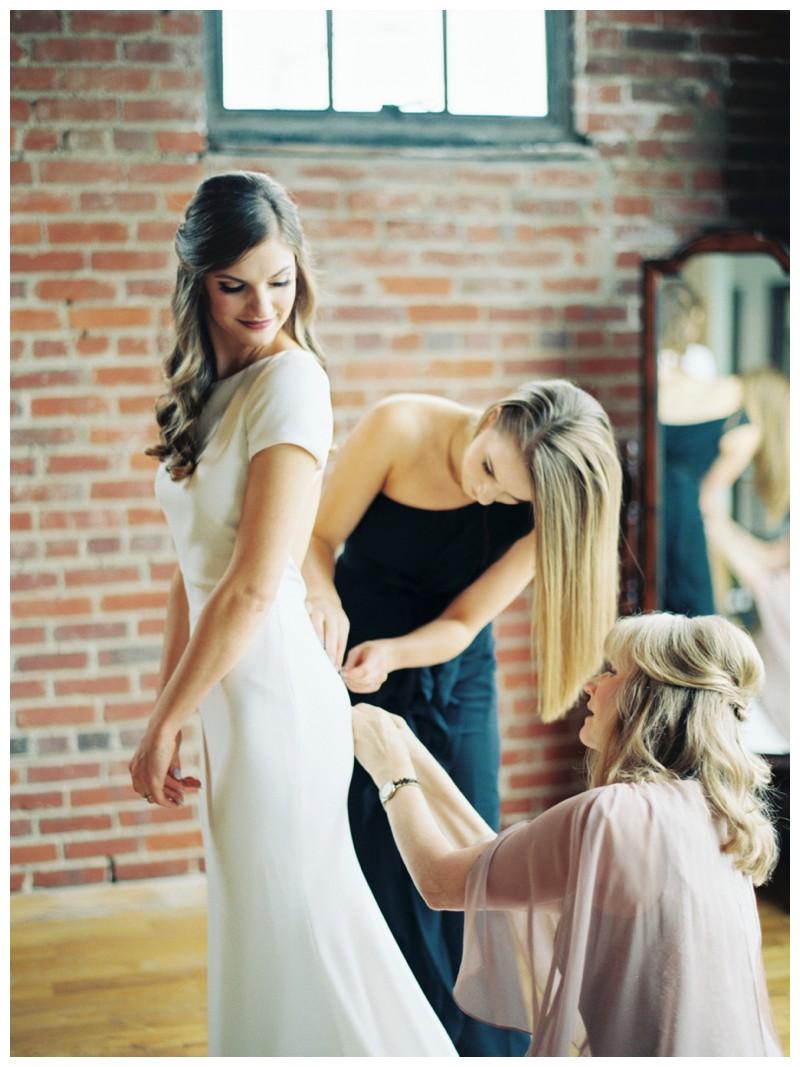 The_Standard_Wedding_Winter_Elegant_Blush_Knoxville_Tennessee_Film_Abigail_Malone_Photography_0093.jpg