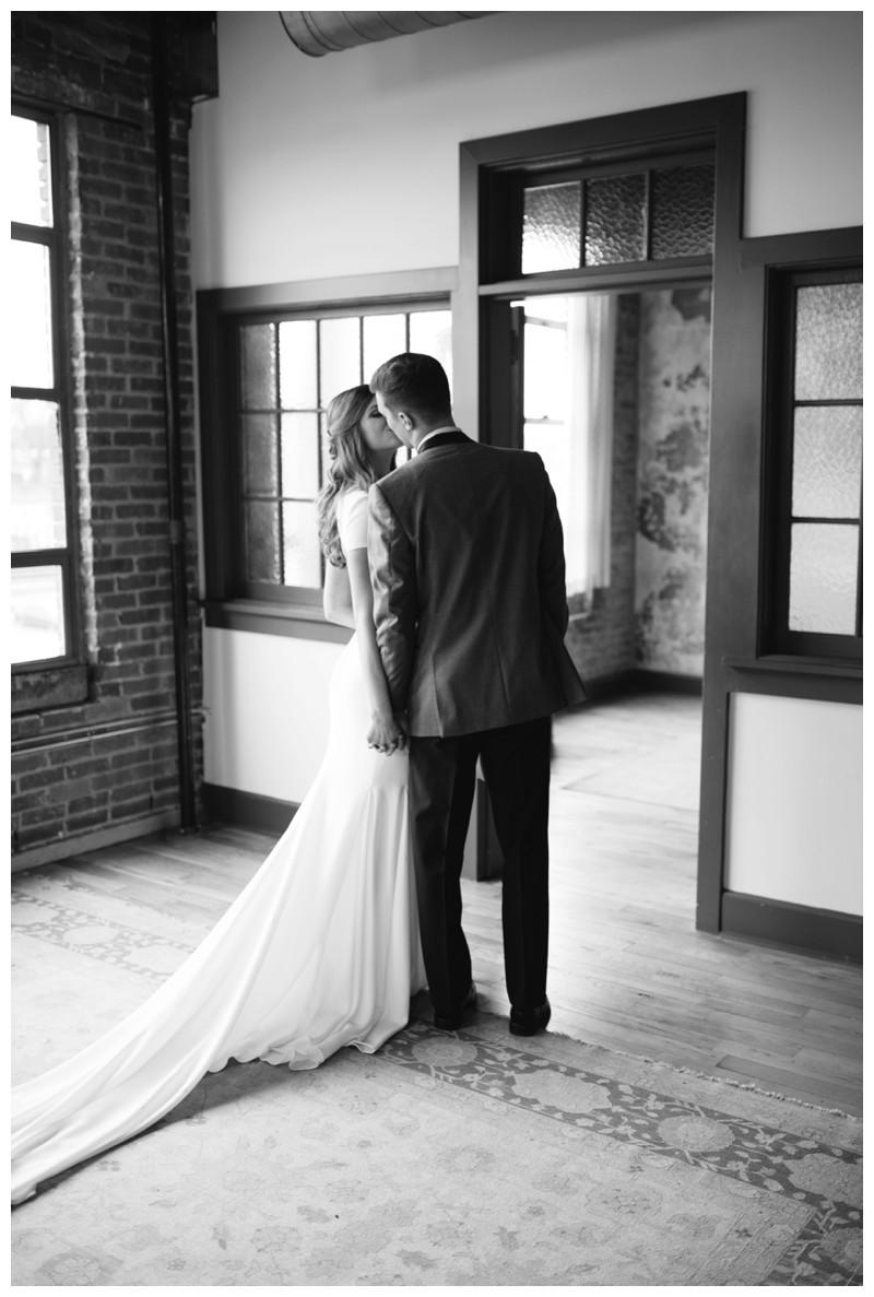 The_Standard_Wedding_Winter_Elegant_Blush_Knoxville_Tennessee_Film_Abigail_Malone_Photography_0098.jpg