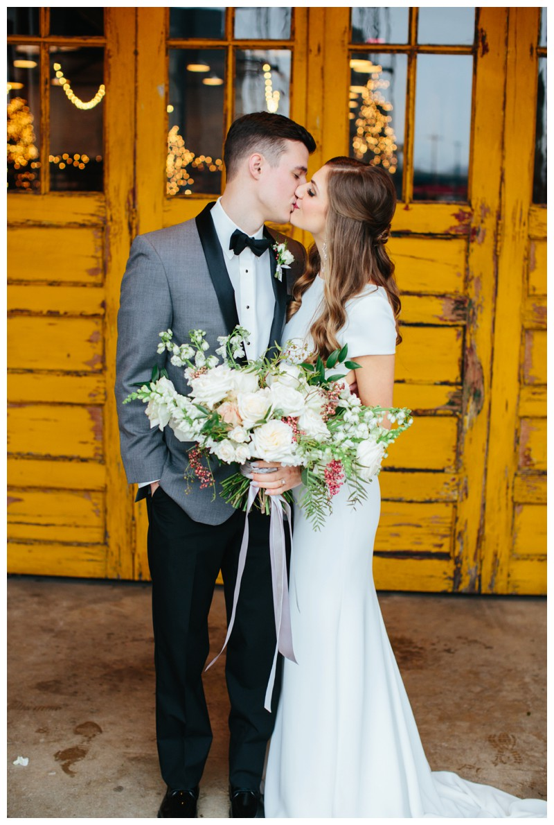 The_Standard_Wedding_Winter_Elegant_Blush_Knoxville_Tennessee_Film_Abigail_Malone_Photography_0133.jpg