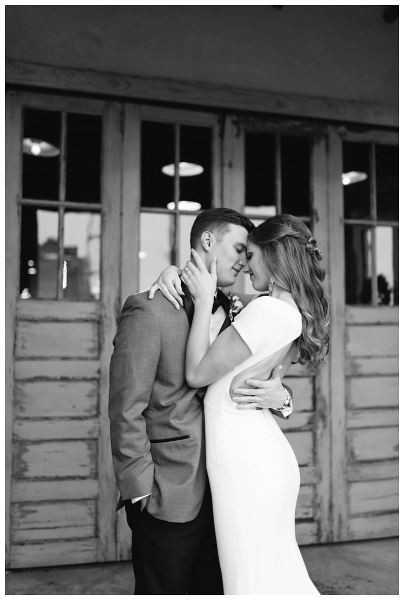 The_Standard_Wedding_Winter_Elegant_Blush_Knoxville_Tennessee_Film_Abigail_Malone_Photography_0136.jpg