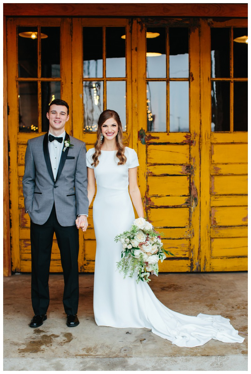 The_Standard_Wedding_Winter_Elegant_Blush_Knoxville_Tennessee_Film_Abigail_Malone_Photography_0135.jpg