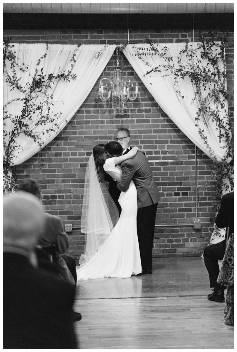 The_Standard_Wedding_Winter_Elegant_Blush_Knoxville_Tennessee_Film_Abigail_Malone_Photography_0151.jpg