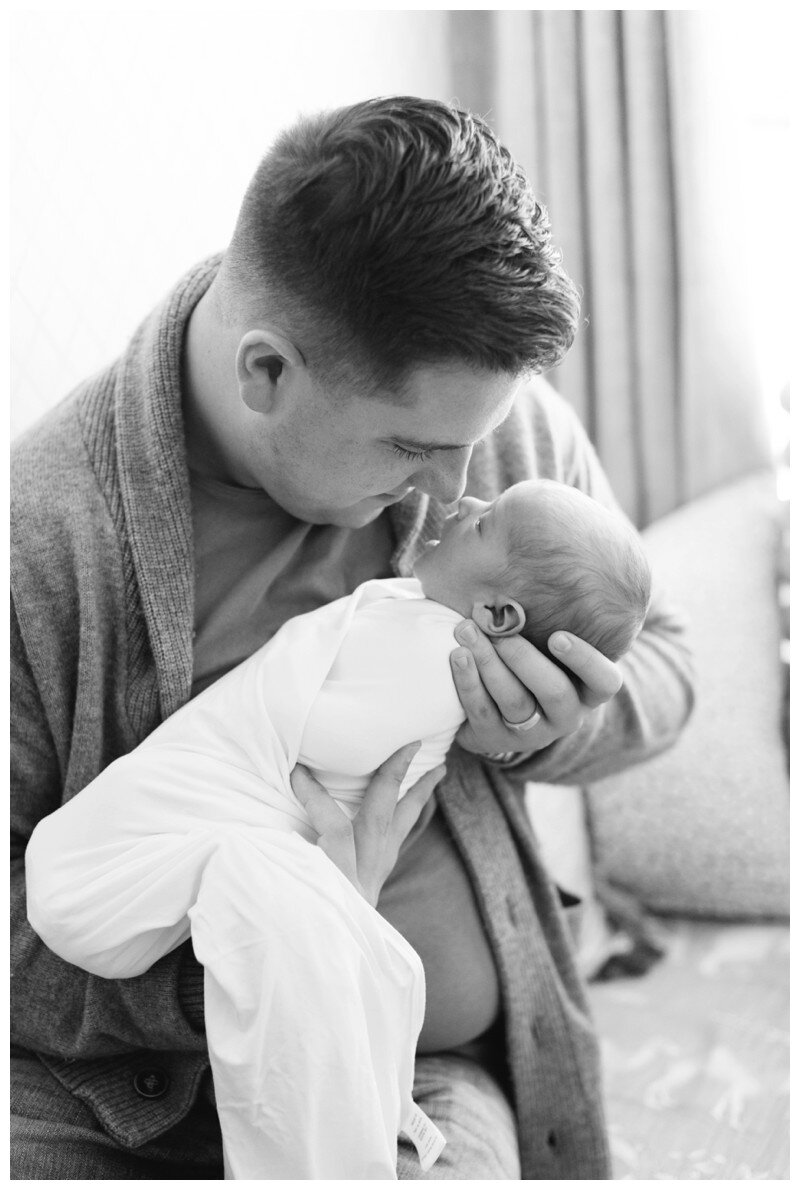 Knoxville_Newborn_Photography_Lifestyle_In_Home_Abigail_Malone_Photography_0012.jpg