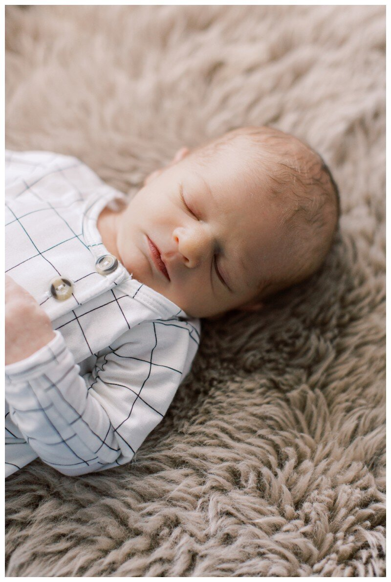 Knoxville_Newborn_Photography_Lifestyle_In_Home_Abigail_Malone_Photography_0021.jpg