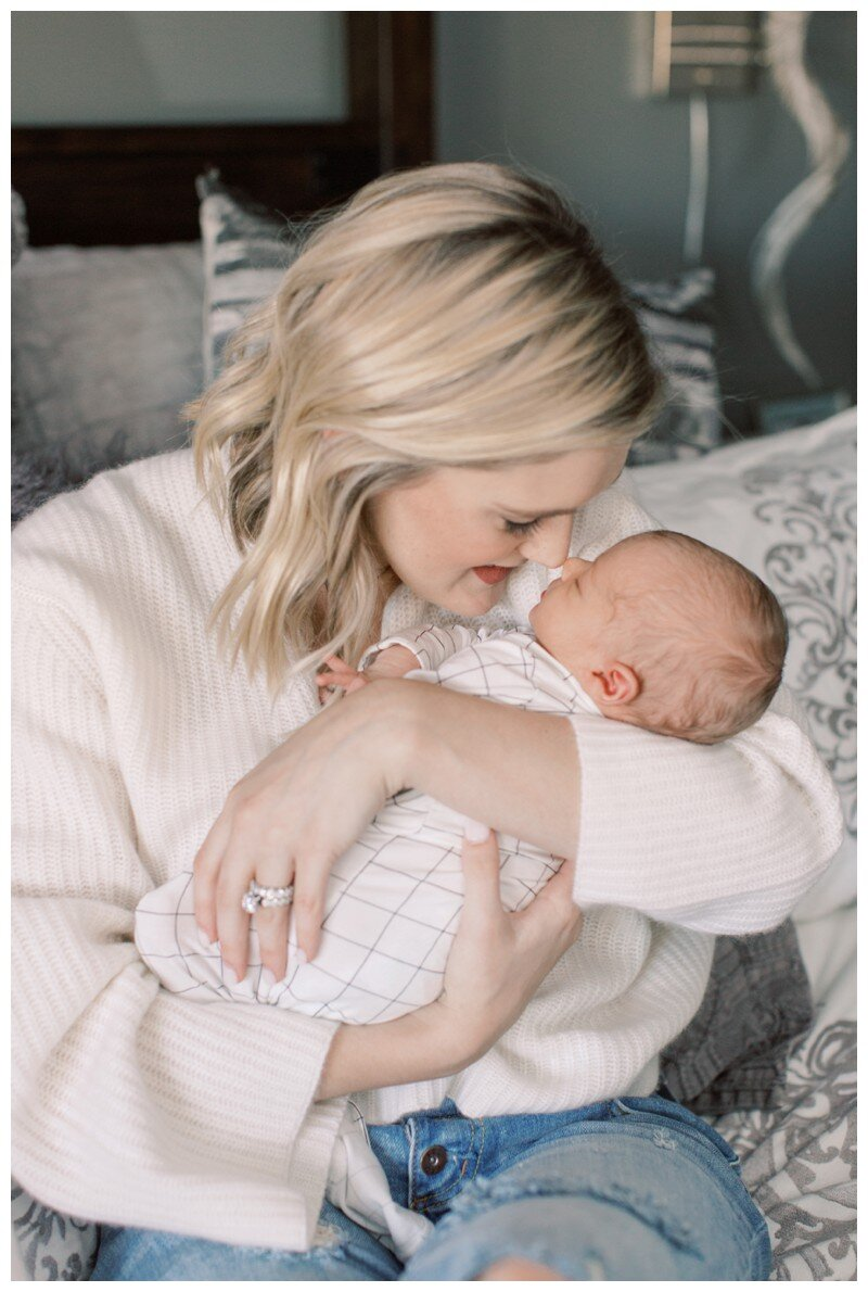Knoxville_Newborn_Photography_Lifestyle_In_Home_Abigail_Malone_Photography_0031.jpg