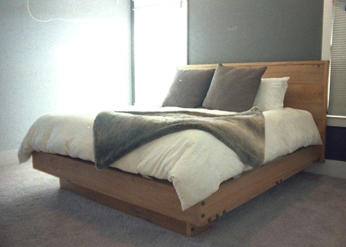 bed with window glareA.jpg