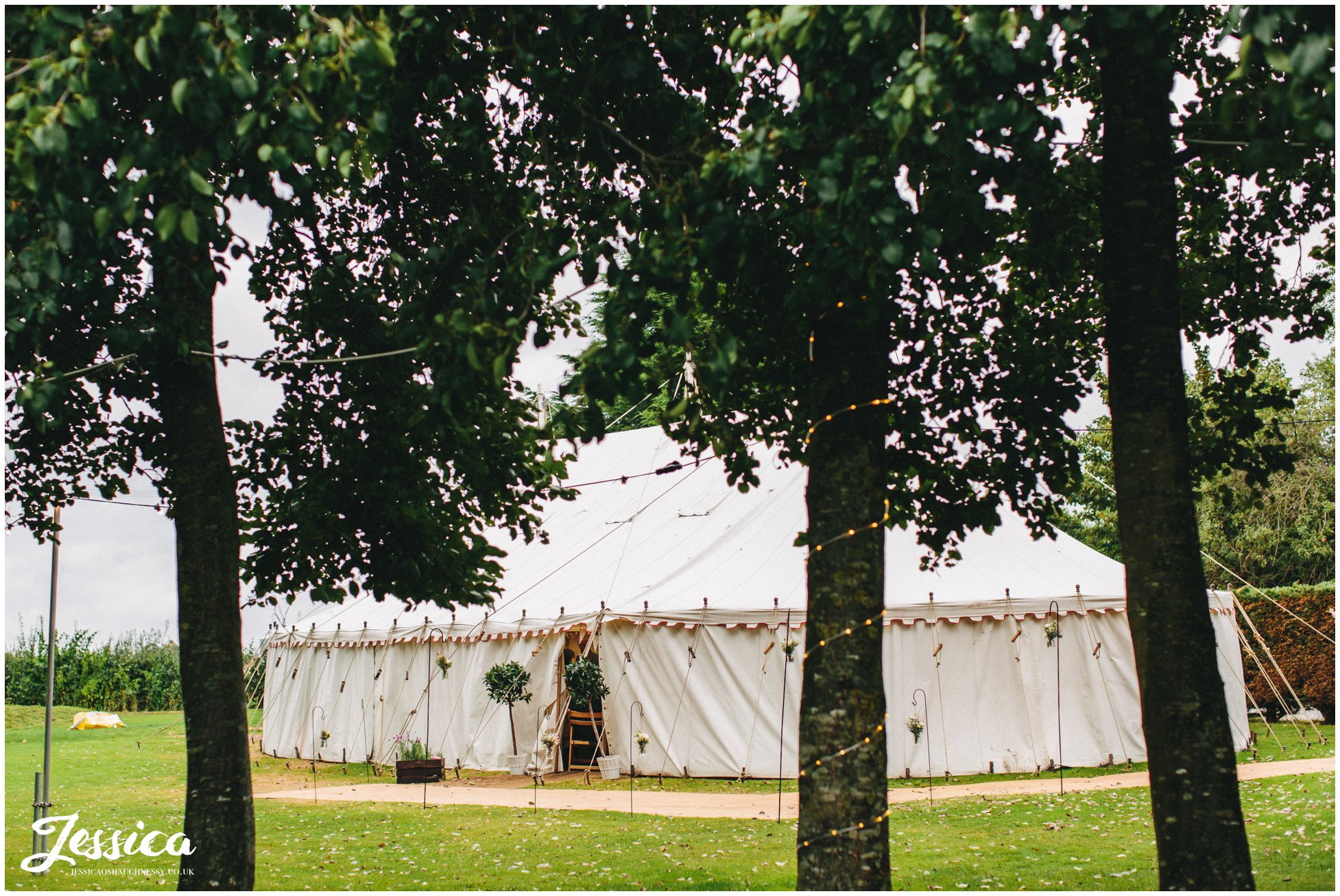 wedding marque at the cholmondeley arms in cheshire
