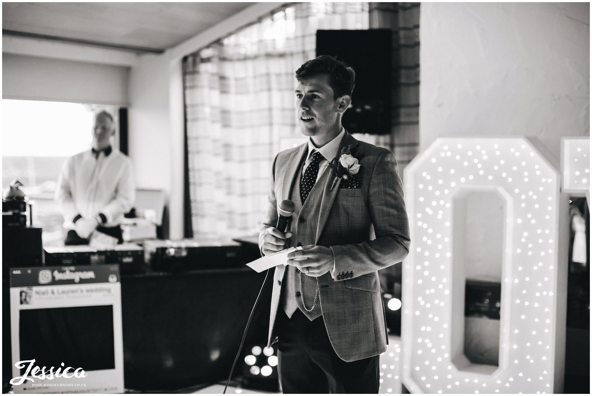 groom gives his speech at his wirral wedding