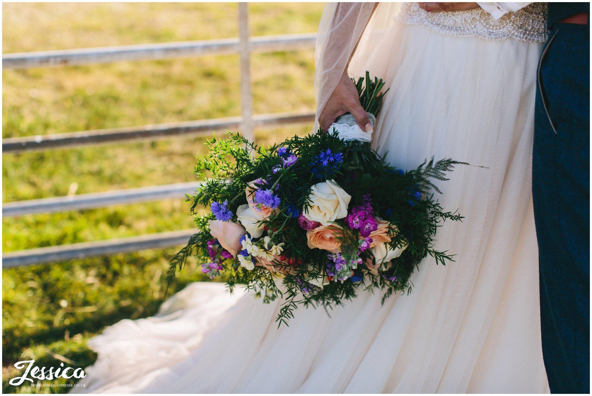 close up of the brides bouquet at bach wen farm
