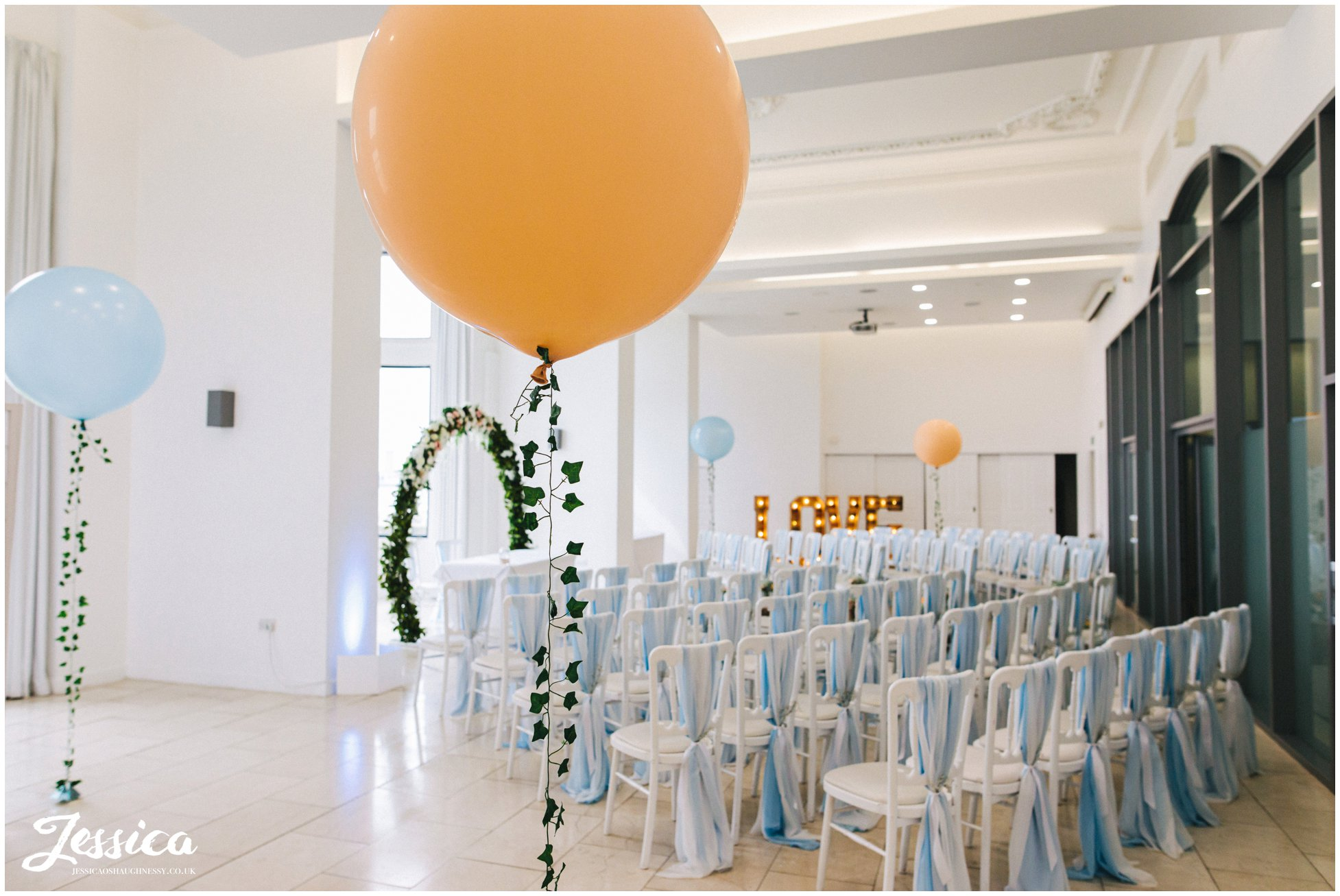 giant balloons for the wedding at the liver building
