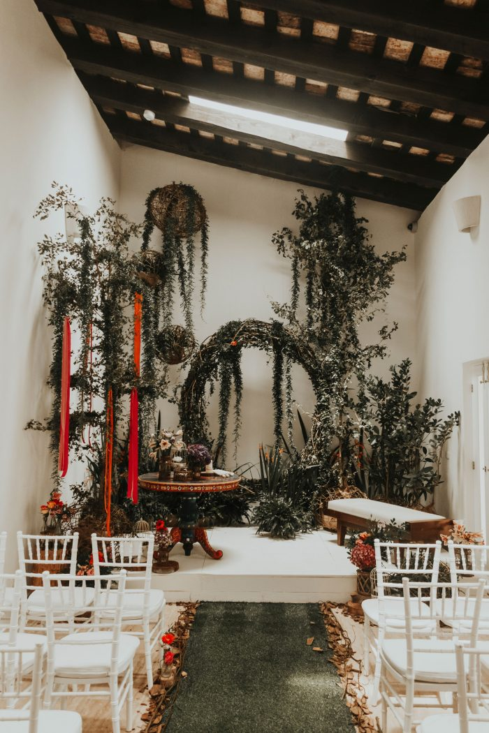 photo by  Adolfo Florentino , event and floral design by  Casas del Siglo XVI