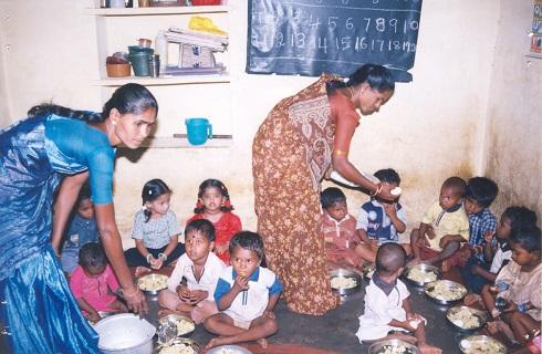 tapwa feeding program 6R.jpg