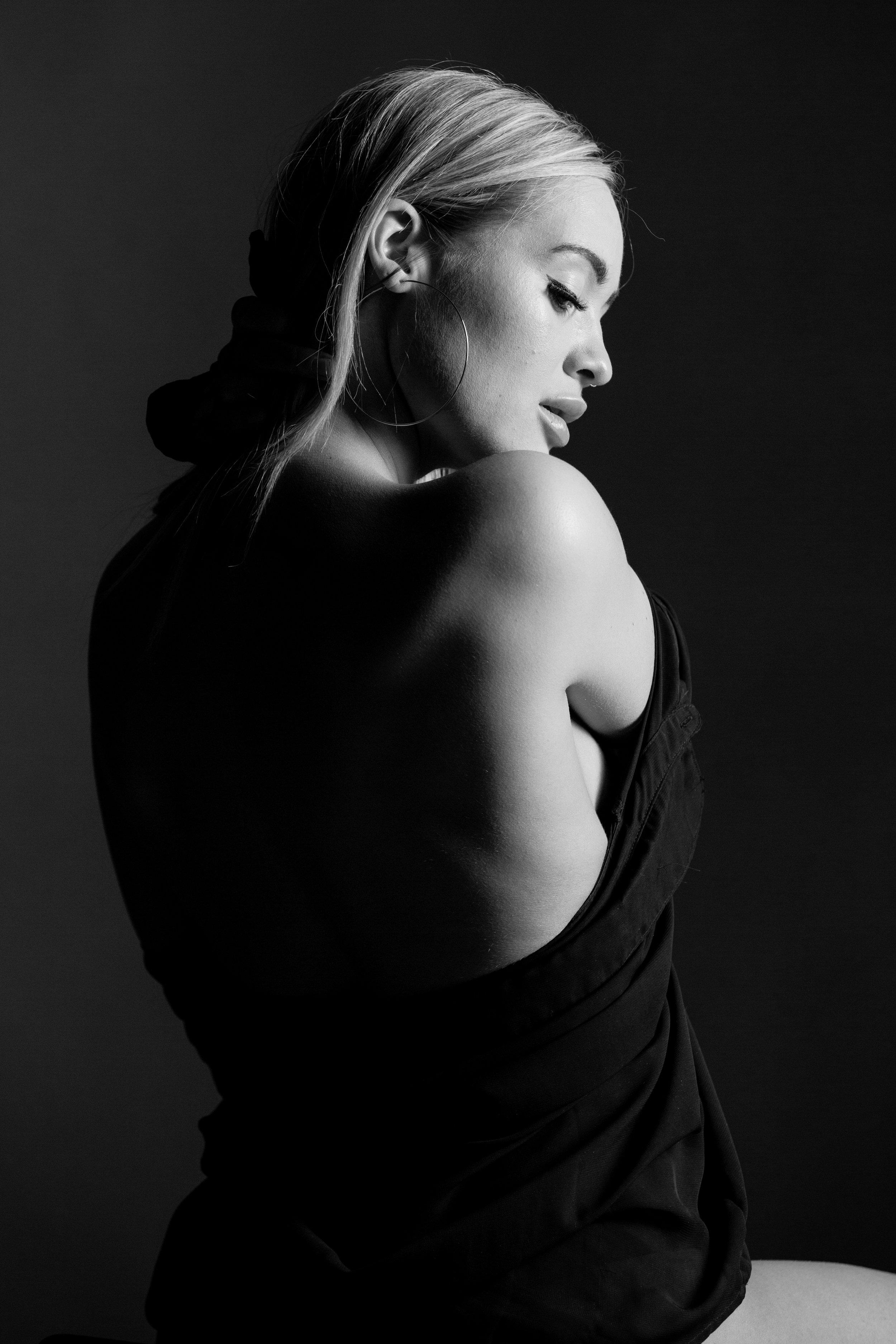 Jasmine B+W-0751.jpg