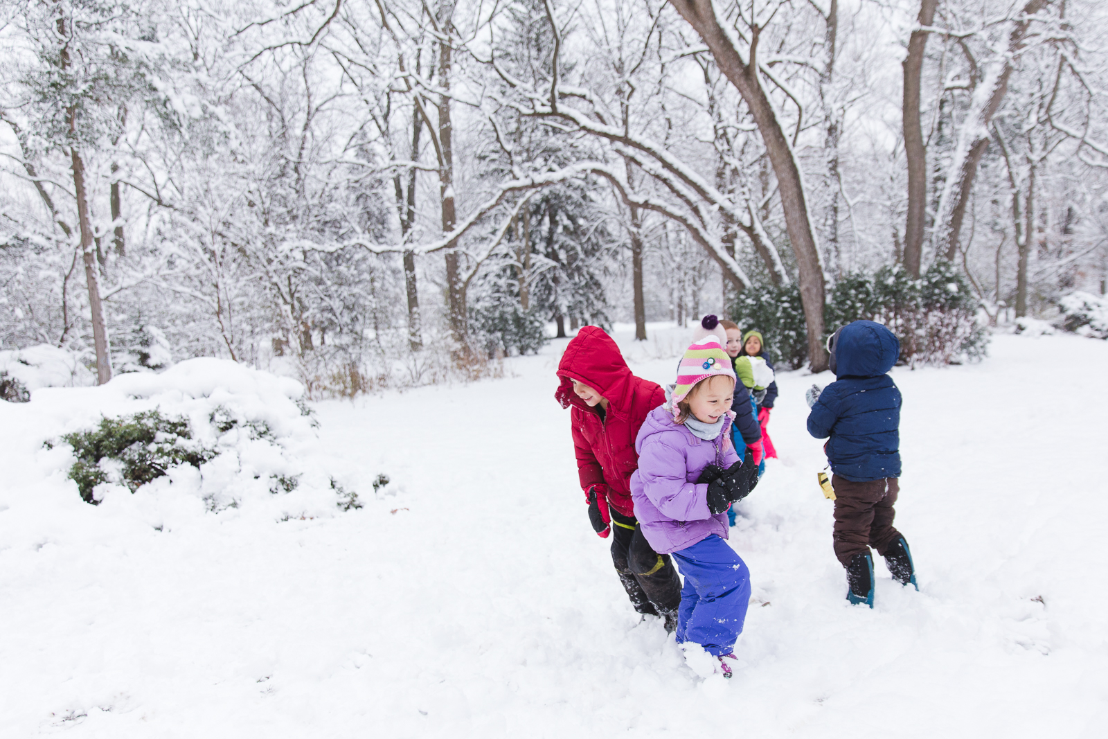 Primary snow play