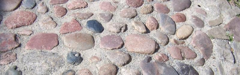 bunte rundstein-pflaster.jpg