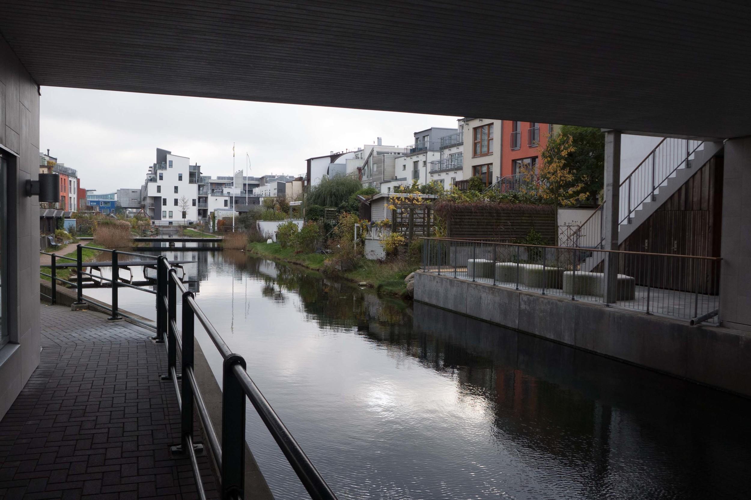 Malmo the canal.jpg