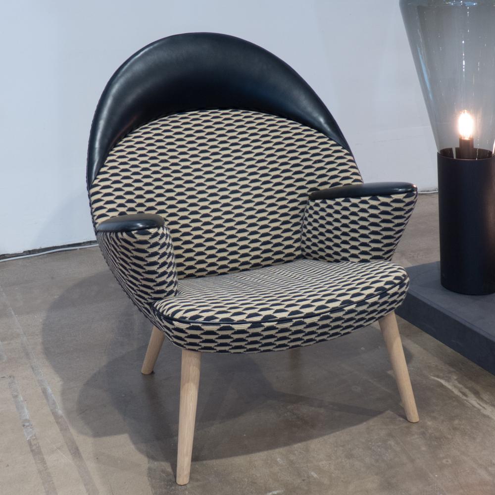 Upholstered Peacock PP521, Hans Wegner 1953