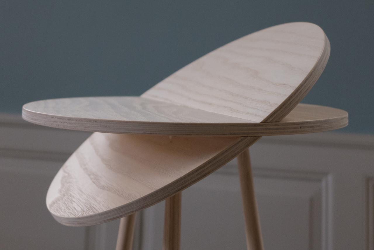Tiptoe Table