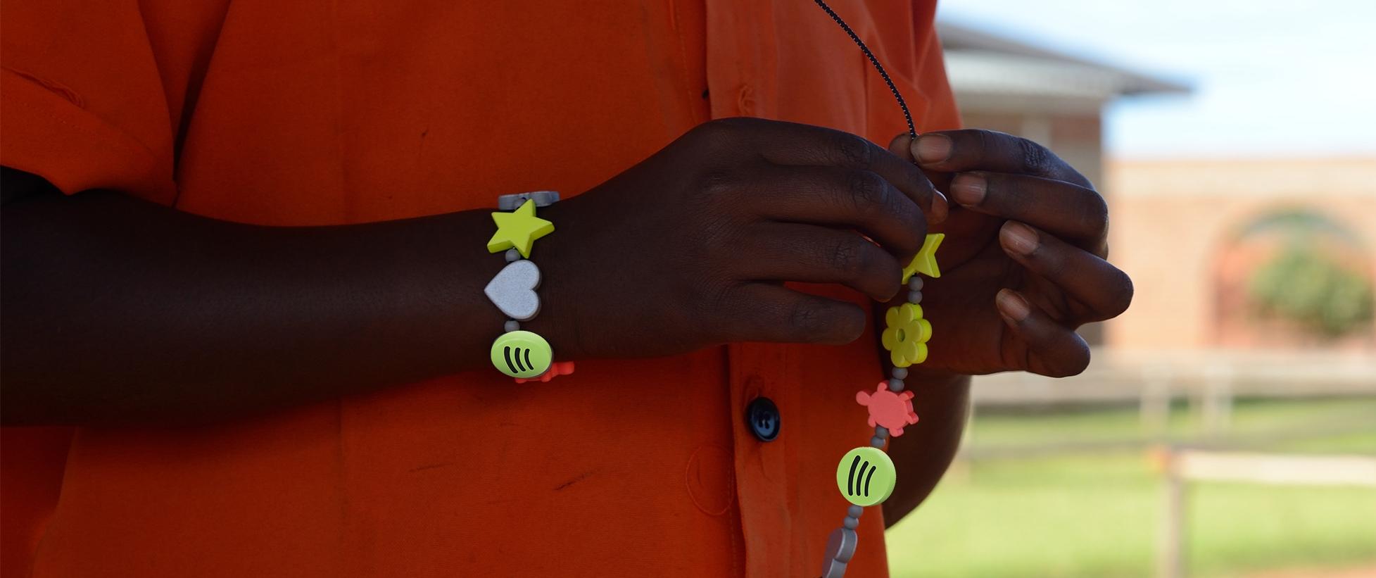 Reflective Spotify bracelet beads
