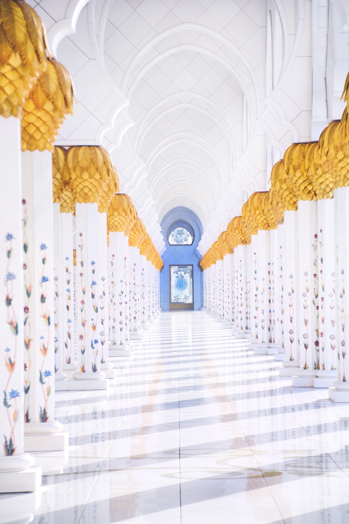 zayed mosque by perri rothenberg