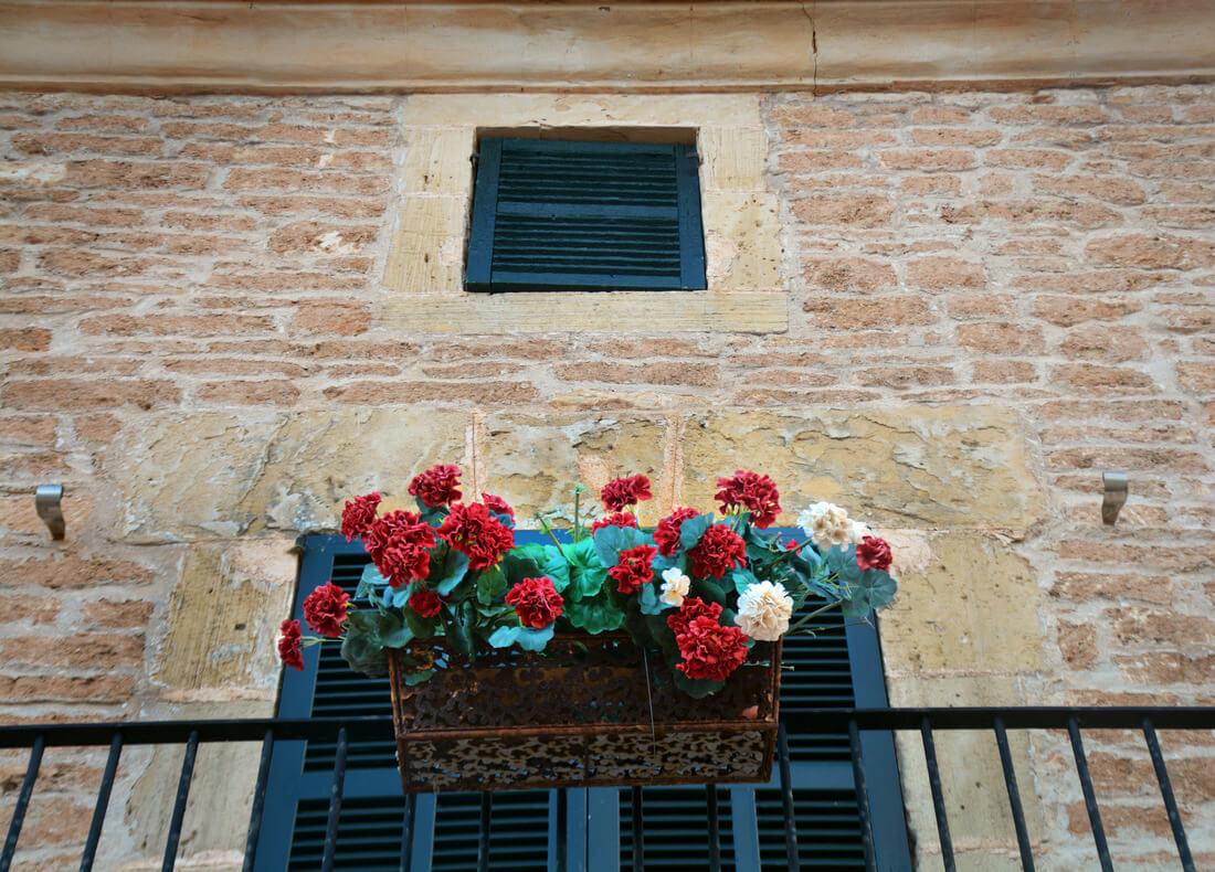whereisper_mallorca_flowerpot.jpg