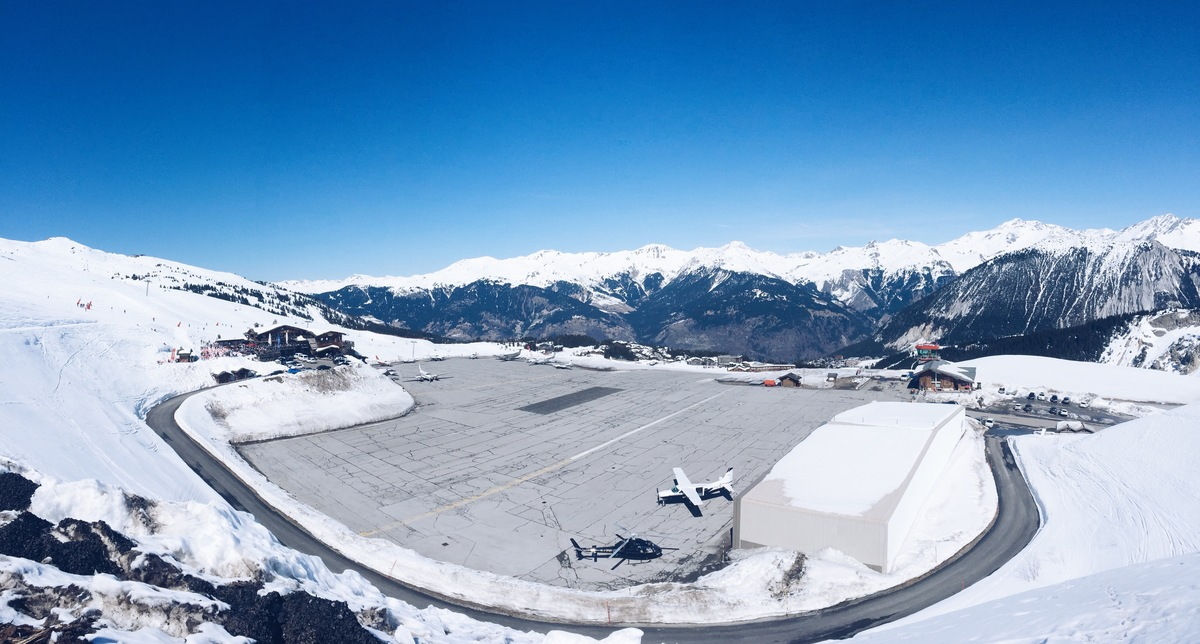 airport courcheval