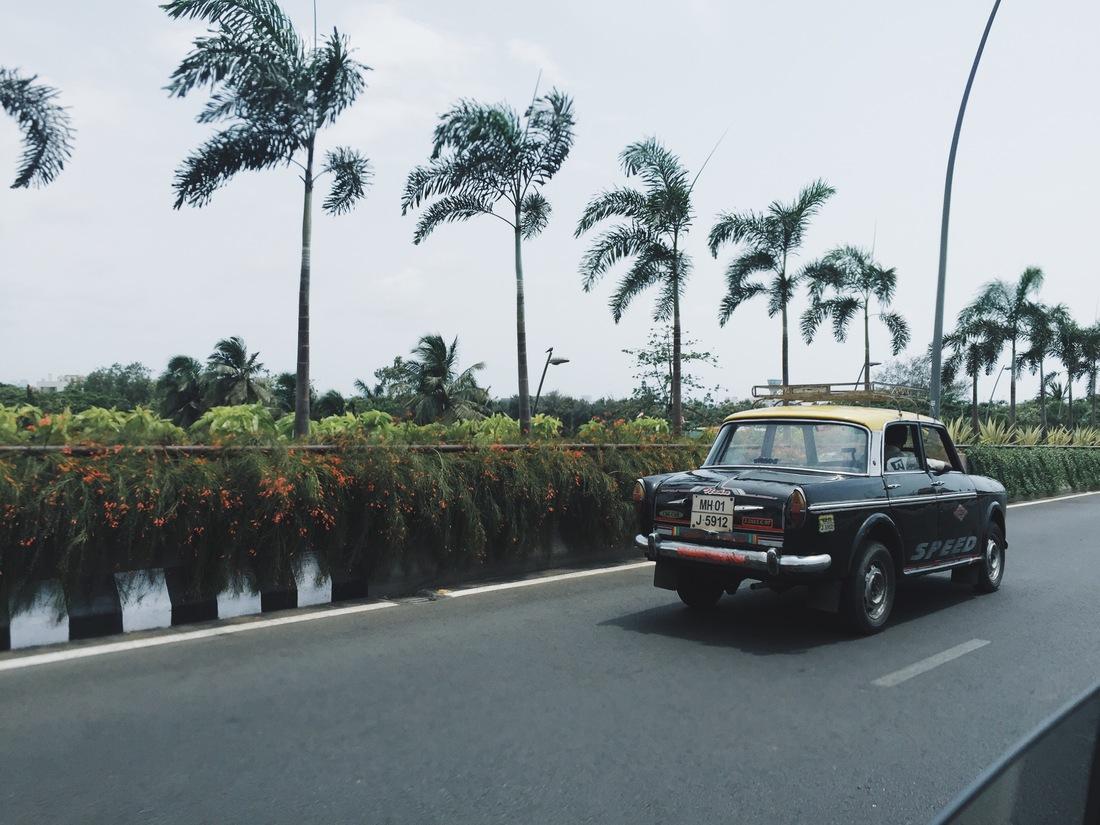 mumbai international airport taxi